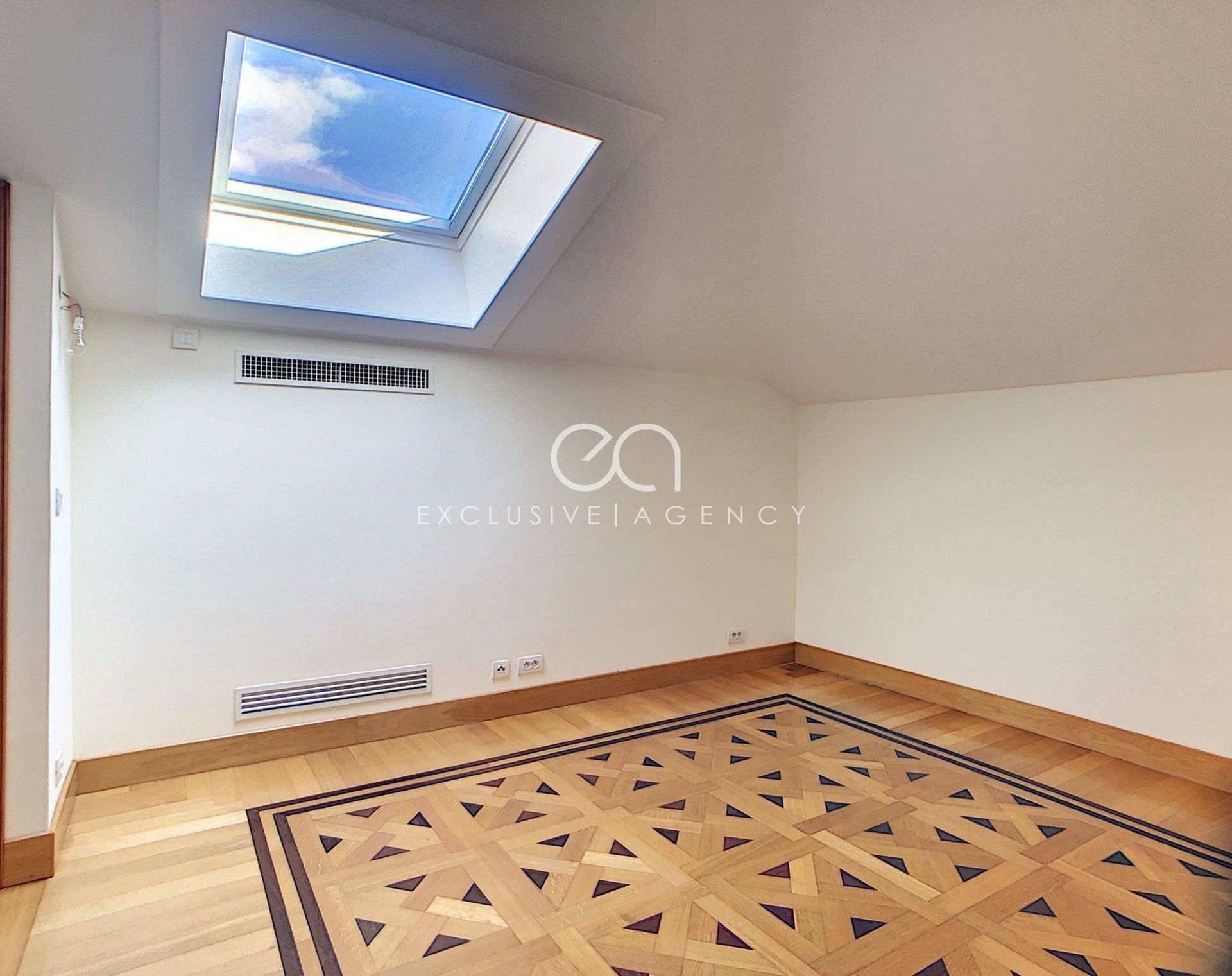 Sale Cannes magnificent 6 rooms 172sqm new with 14sqm terrace exclusive agency