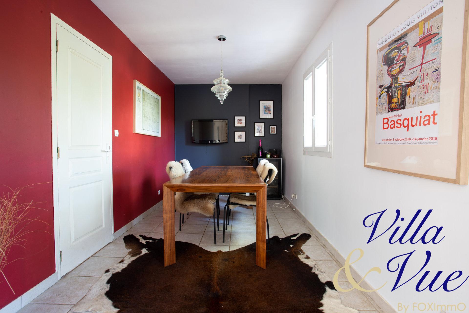 GROUND FLOOR VILLA- 5 BEDROOMS - Very quiet