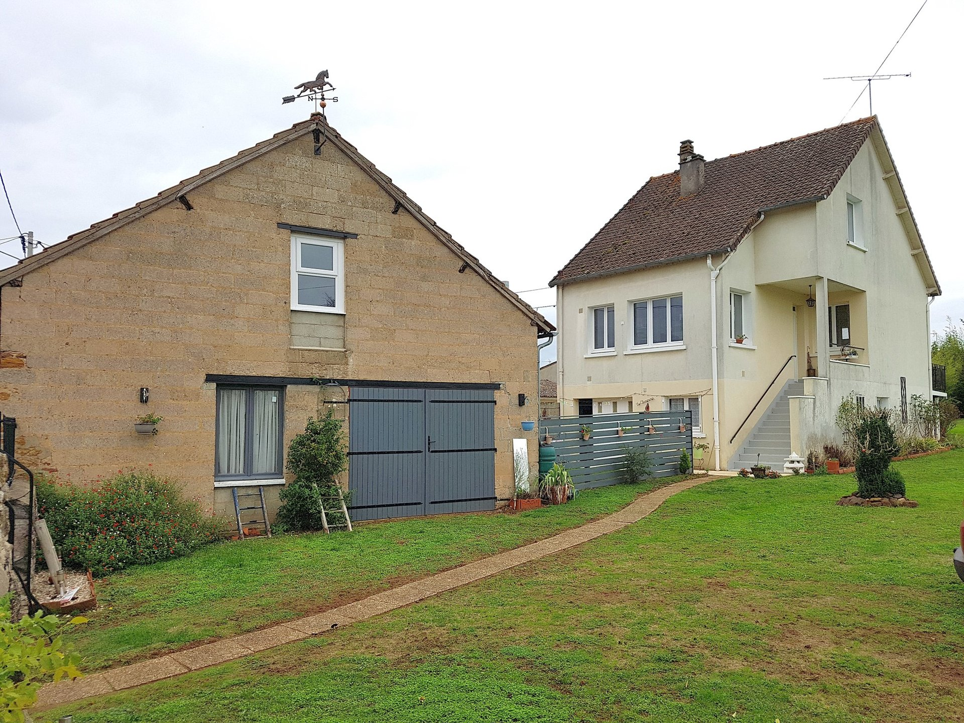 Village house with barn for sale in the south-Brenne 36