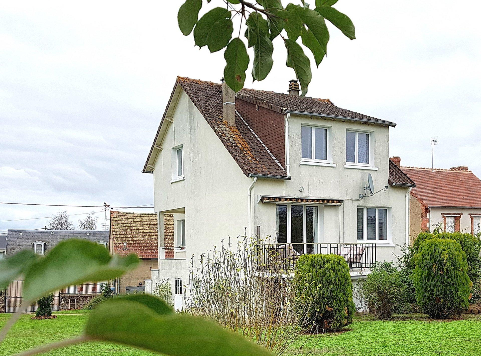 Dorfhaus mit Scheune zu verkaufen im Süden der Brenne 36