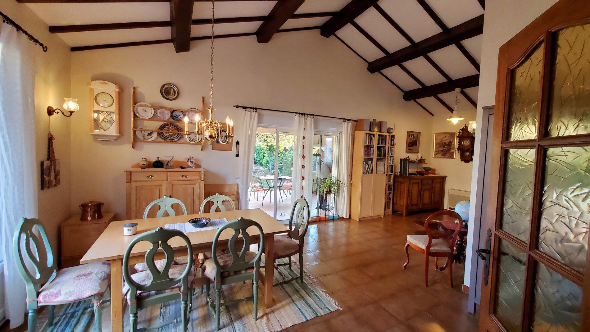 Belle villa sur un terrain de 1074 m2