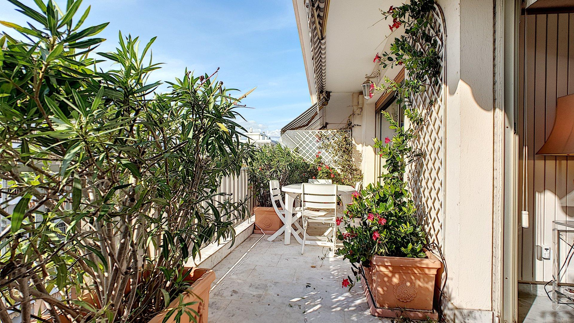 Cannes Basse Californie Spacieux 3 Pièces avec terrasse et proche Croisette