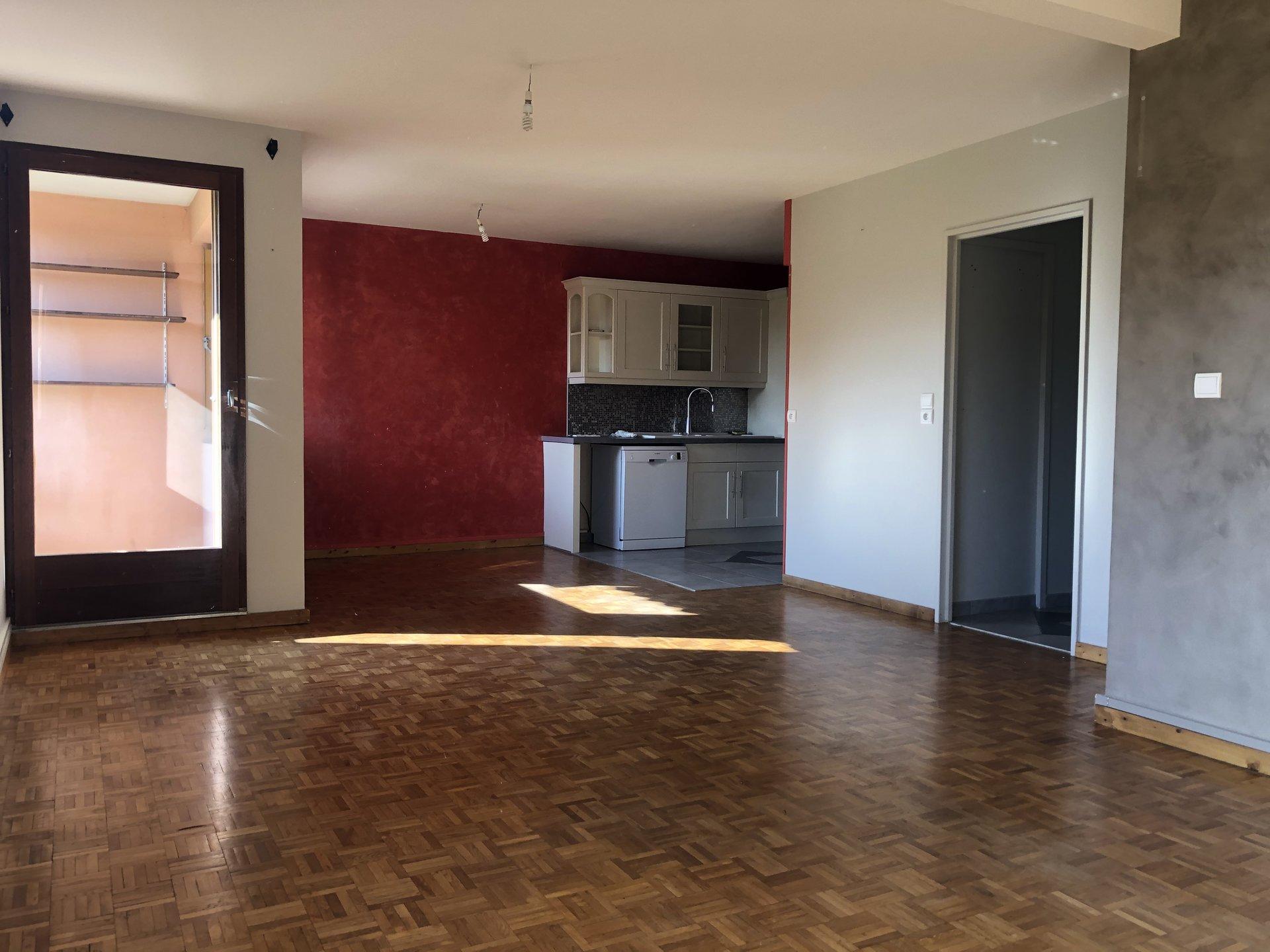 Sale Apartment - Beaujeu