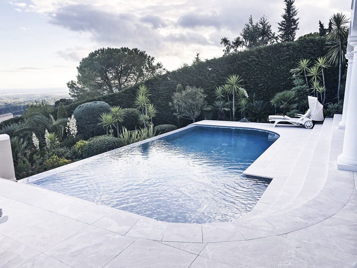 Великолепное имение с панорамным видом на море