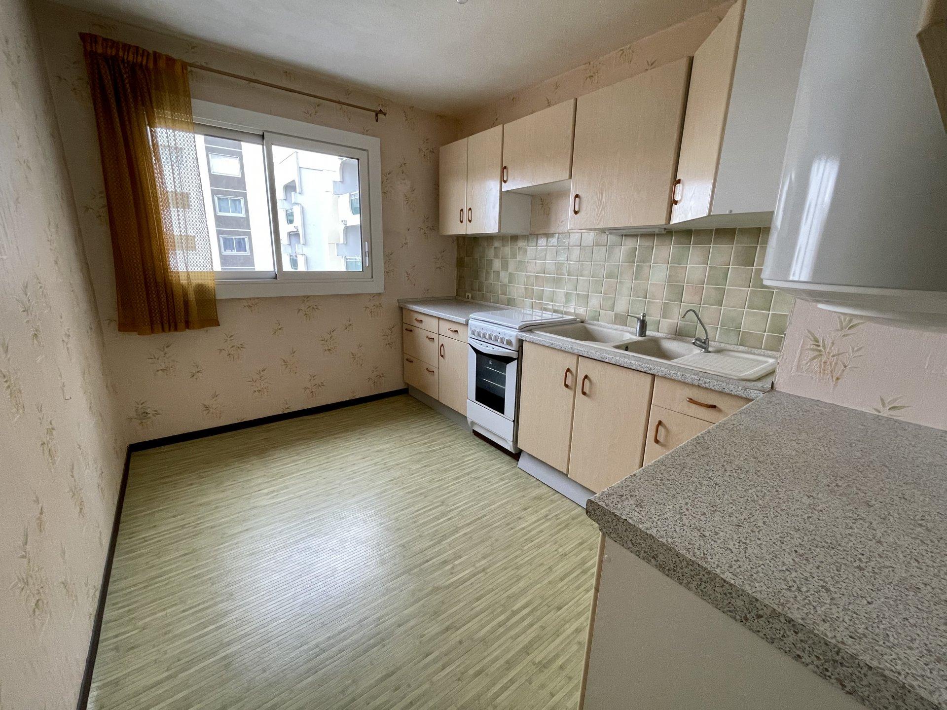 Appartement Bergson 3 pièces 72 m2 avec balcon et garage.