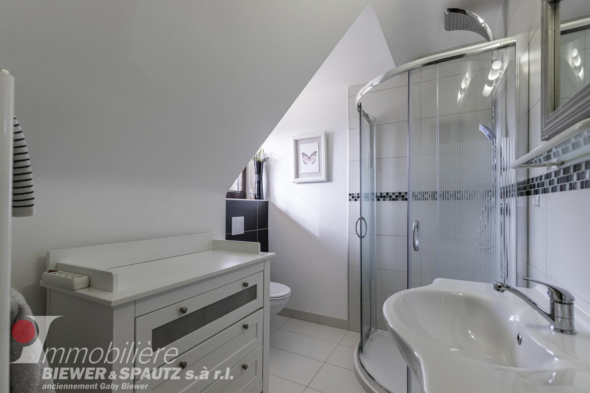 TO RENT - Furnished room in Senningerberg