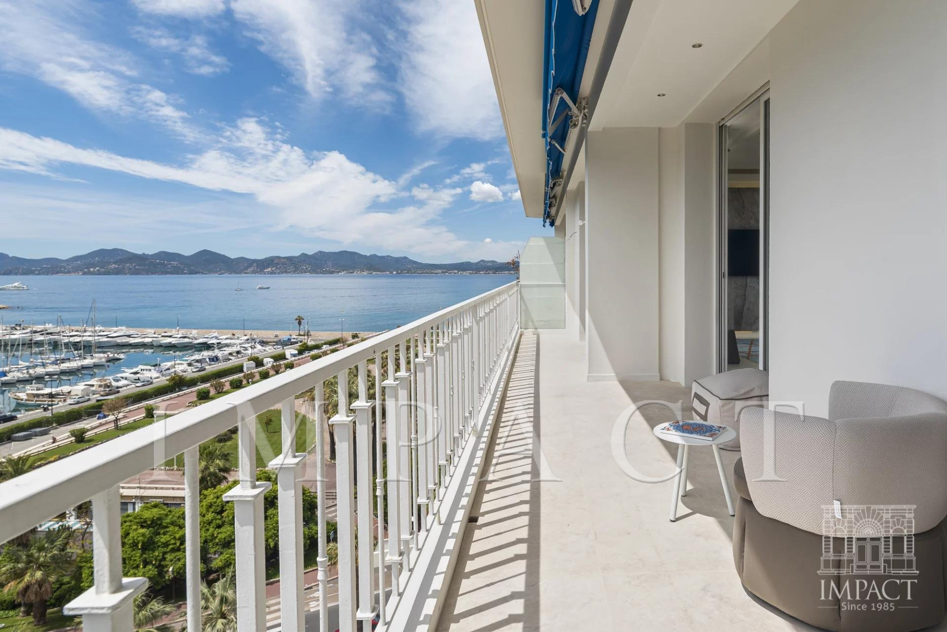 Penthouse for sale sea view Port Canto Cannes