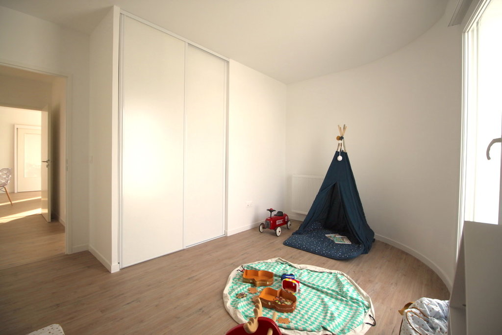 Appartement 4 pièces au pied du Tramway Ausone