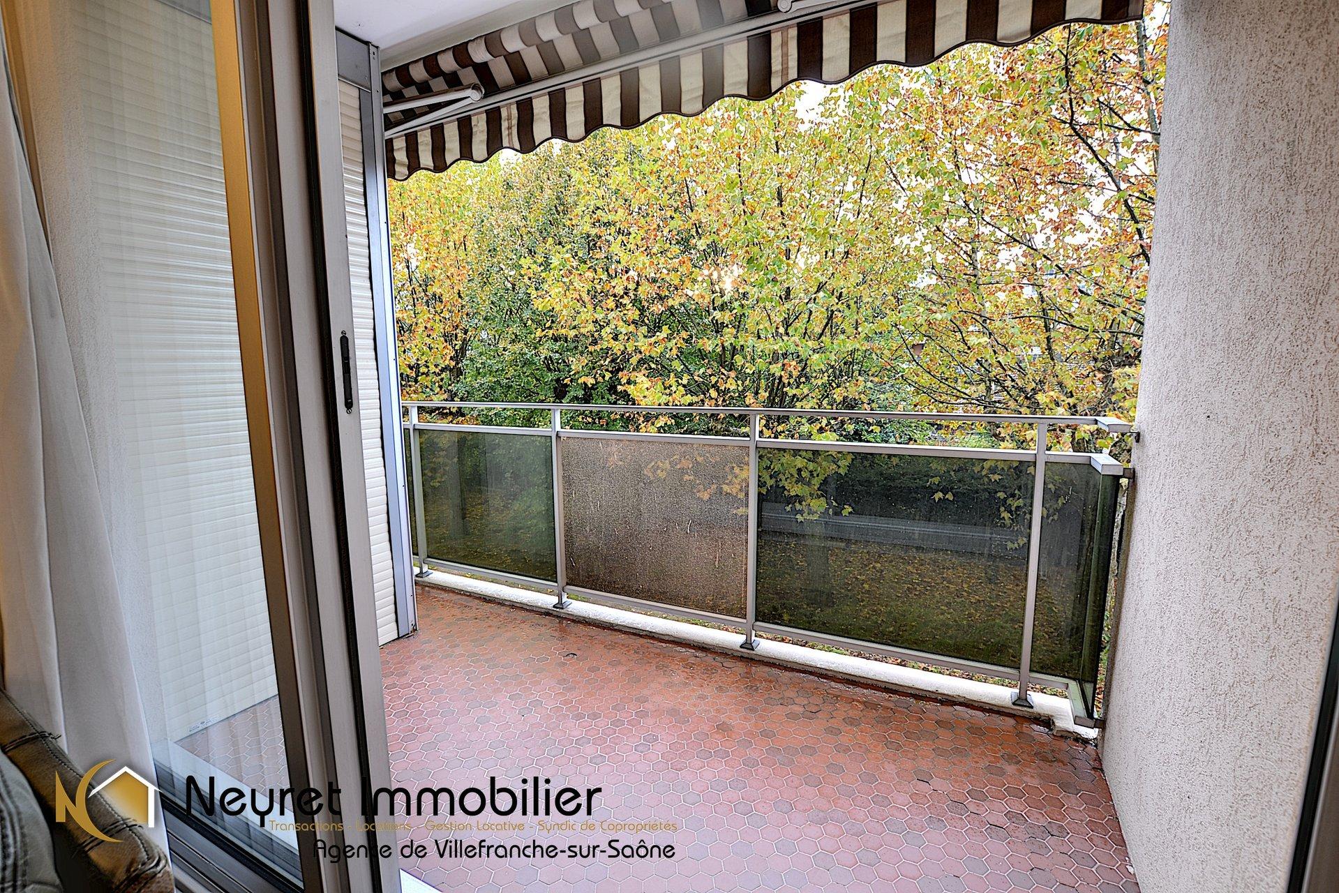 EXCLUSIVITE - LE CONSULAT - T2 garage et terrasse
