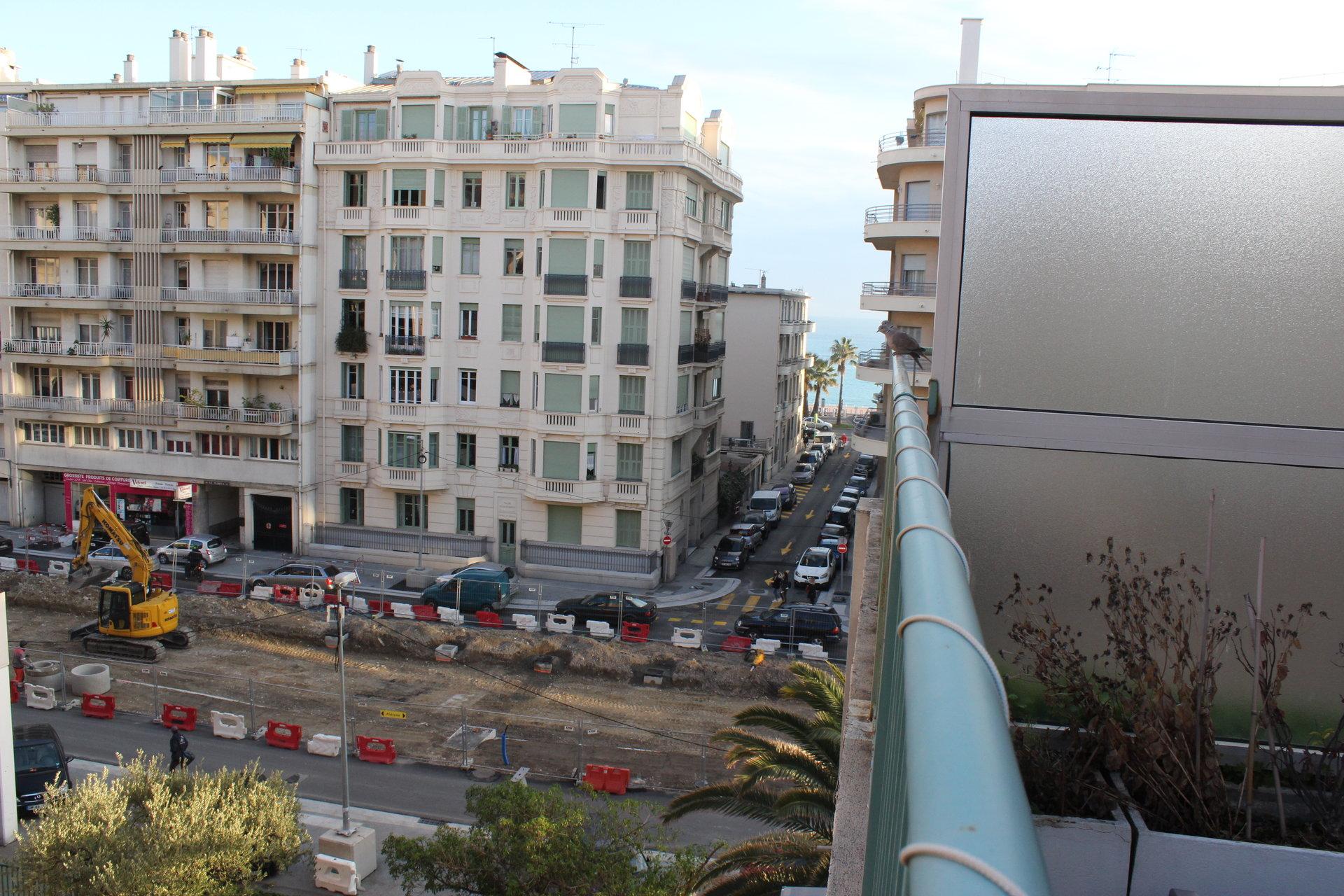 SPACIEUX F 1 AVEC terrasse 32 m2
