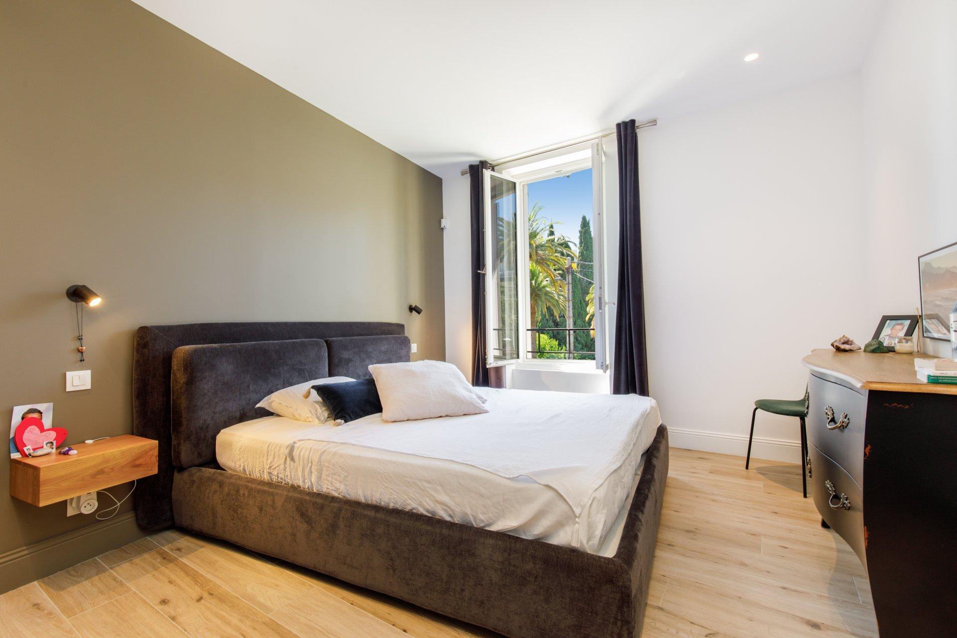 Cannes villa de charme 160 m2 renové secteur Petit Juas / piscine