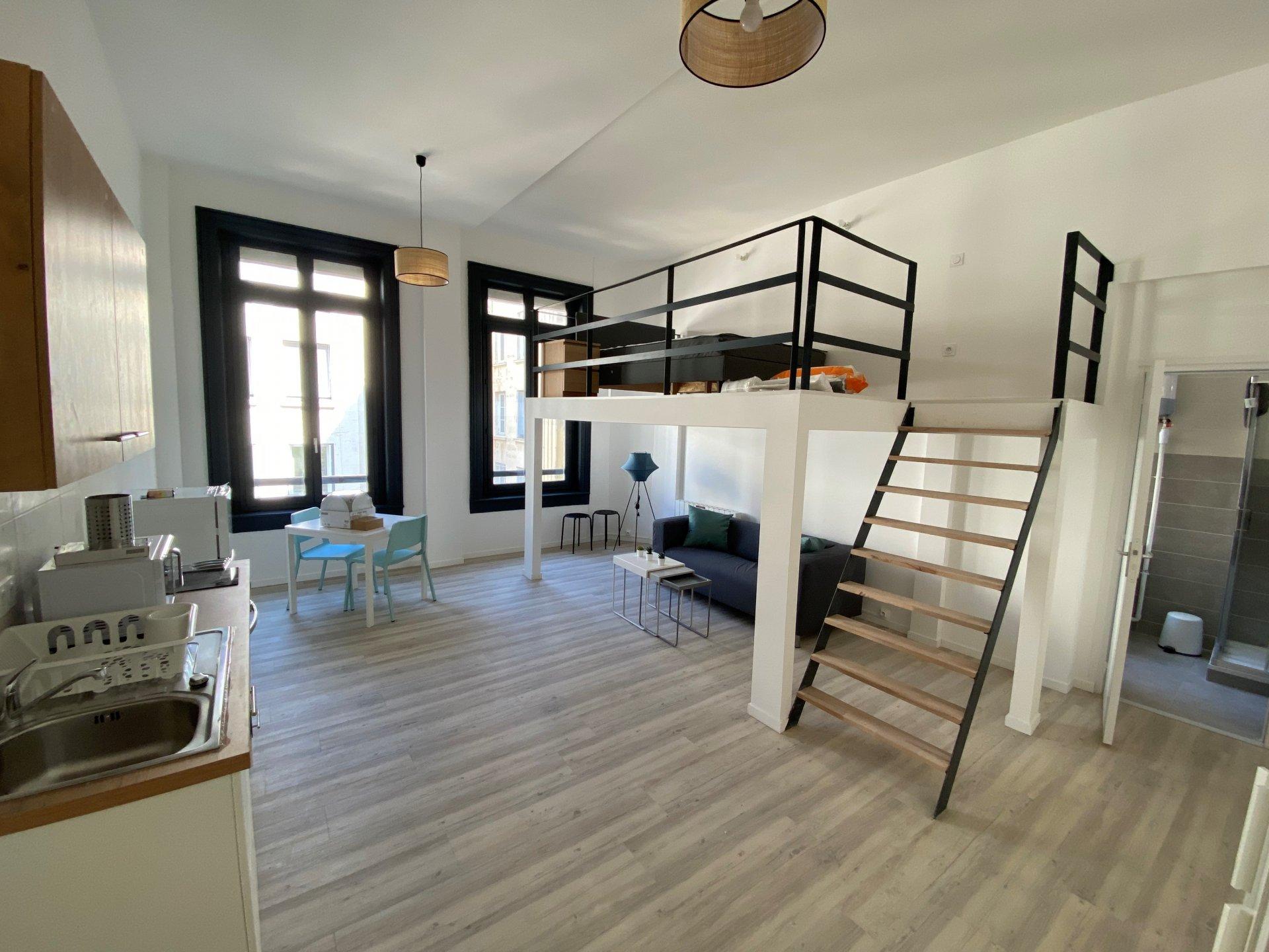 SAINT-ETIENNE CENTRE - T1 meublé avec mezzanine