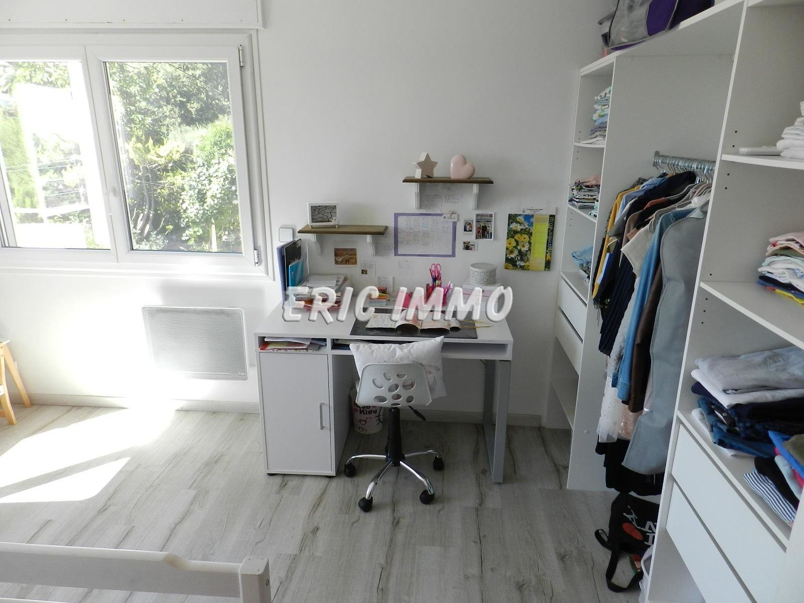 TOURRETTES SUR LOUP. MAISON 160 m². TERRAIN 1250 m²