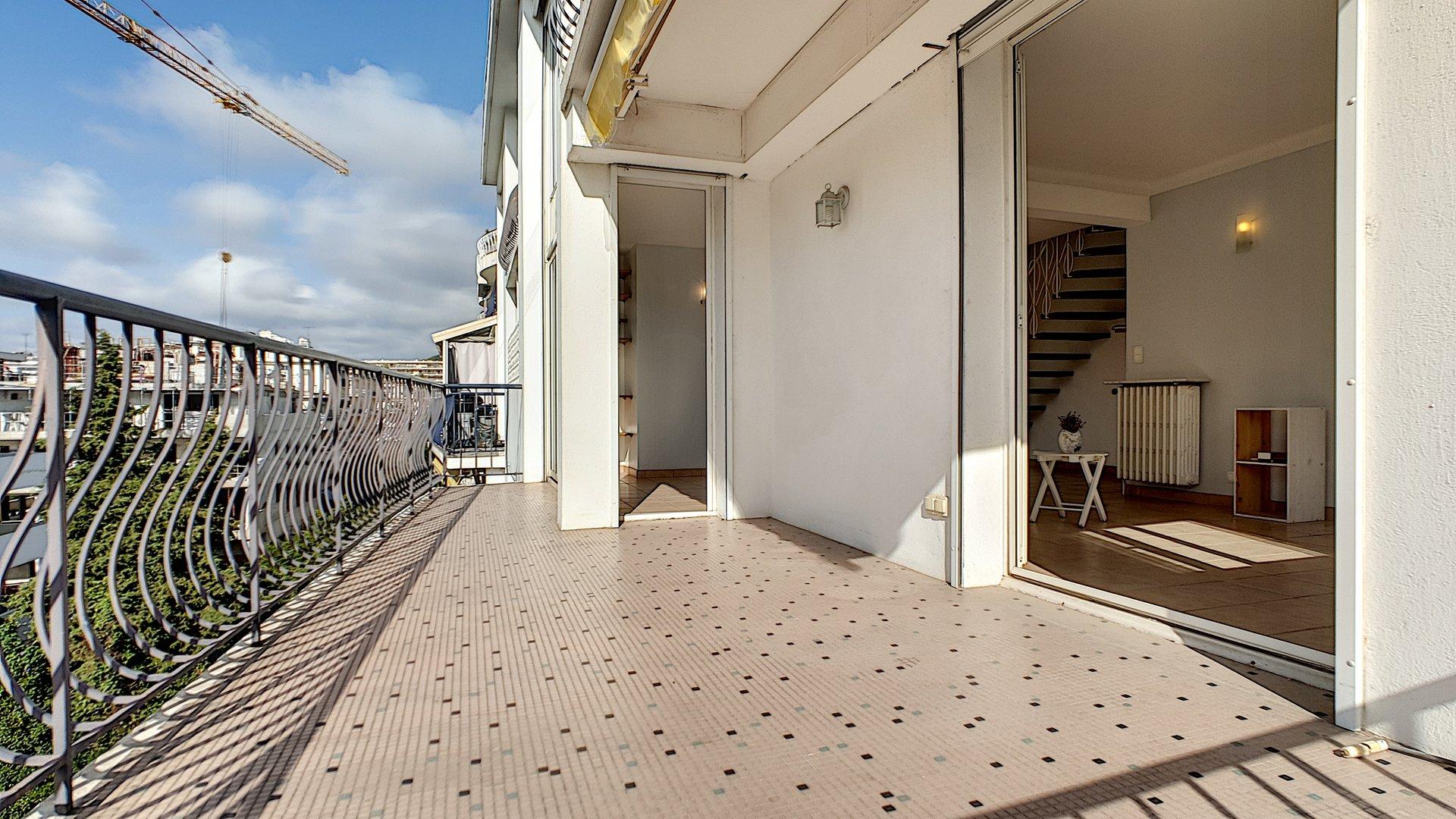 Loftvåning till salu i området Palm Beach i Cannes