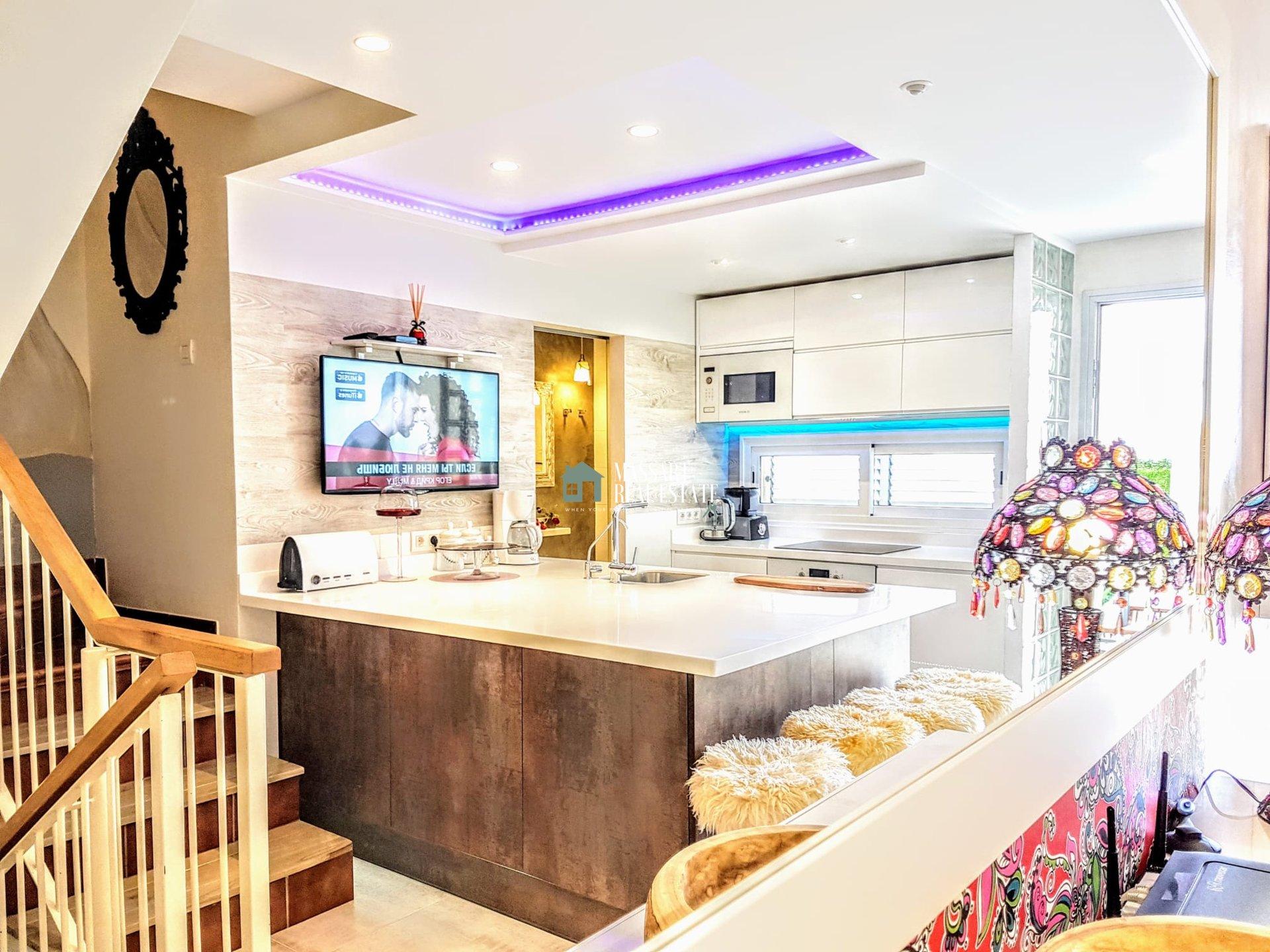 Meravigliosa casa bifamiliare di 250 m2 IN VENDITA nella prestigiosa zona di Costa Adeje.