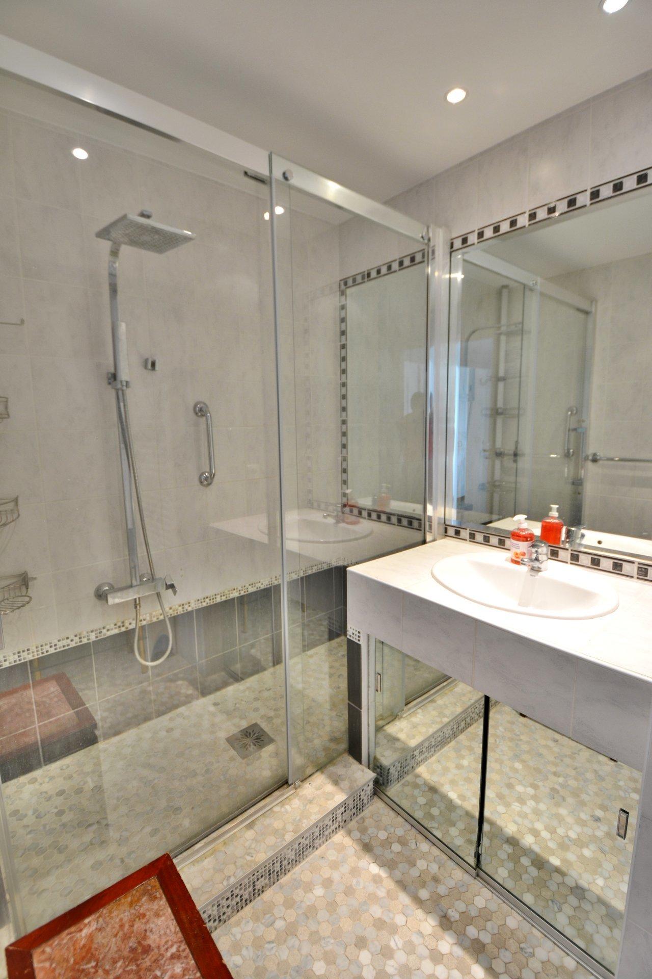 Apartment 2 bedrooms - Swimming pool - Juan les Pins