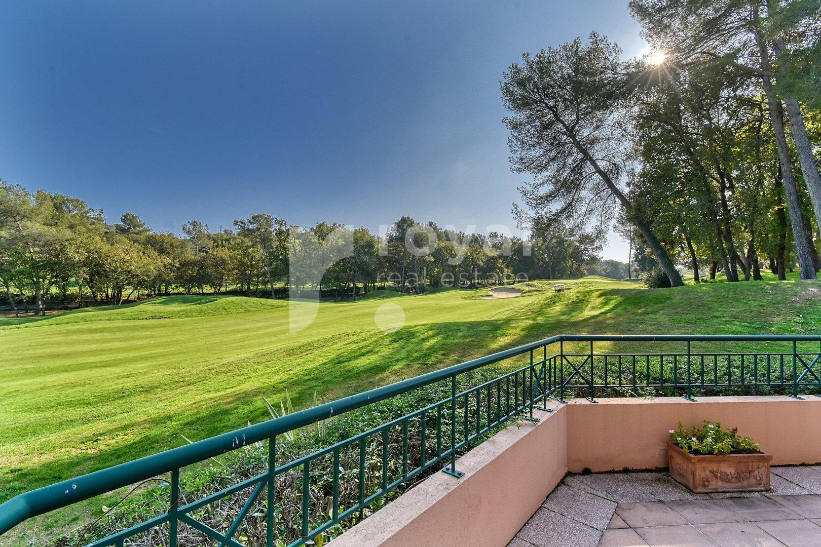 MOUGINS GOLF - VILLA