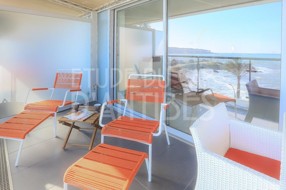 Антибы-Аренда- Квартира с панорамным видом на море