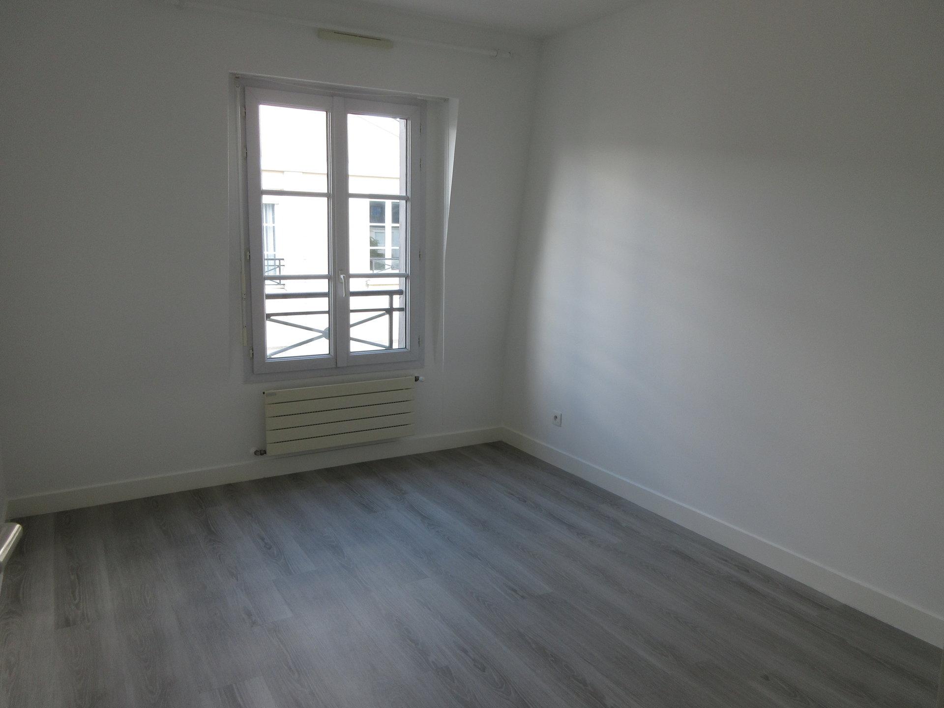 Croissy centre, 3 pièces ensoleillé en dernier étage avec balcon.