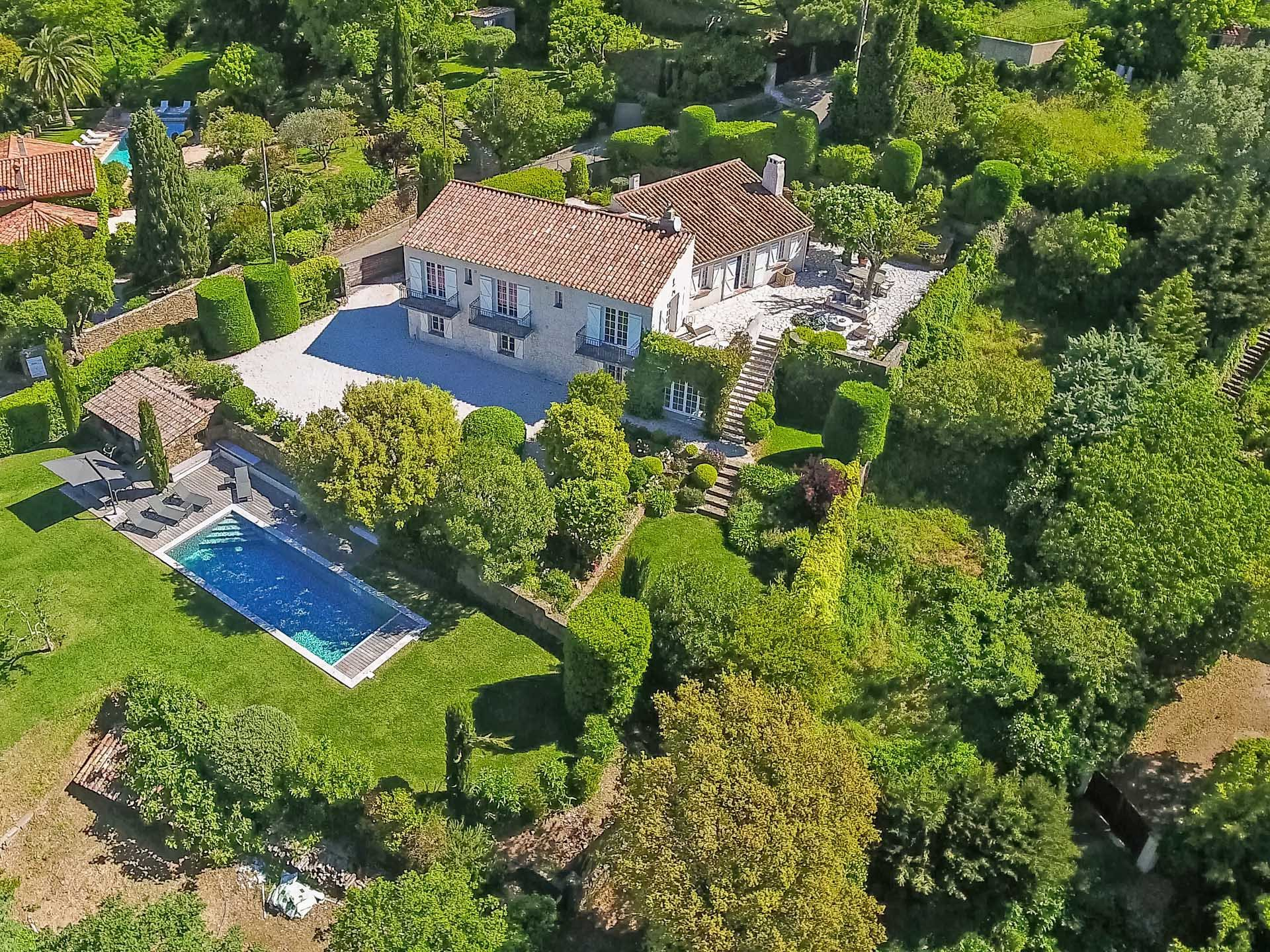 """Villa with sea view over """" Ils d'Or"""""""