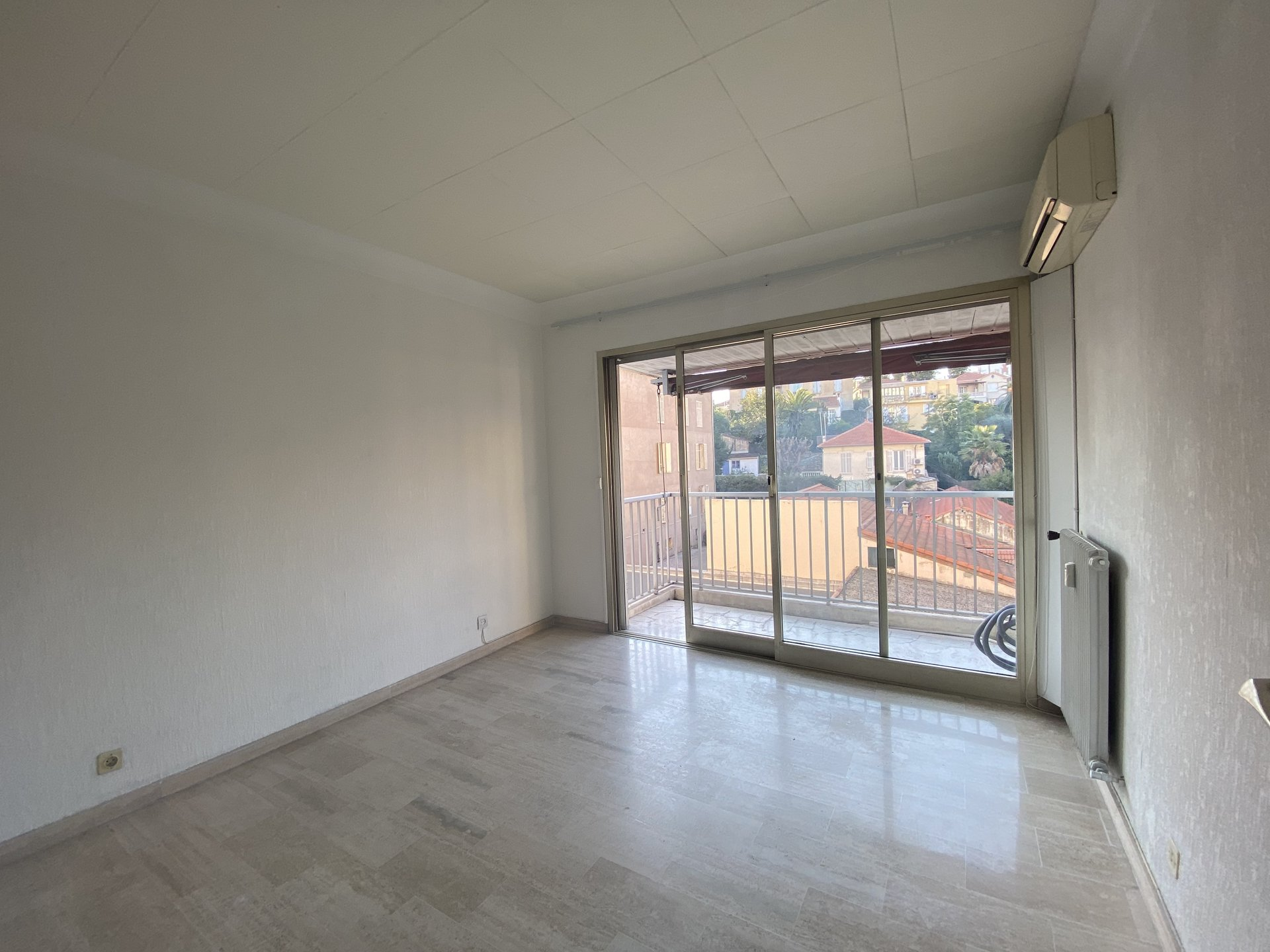 Beautiful 3 room apartment of 63 m2