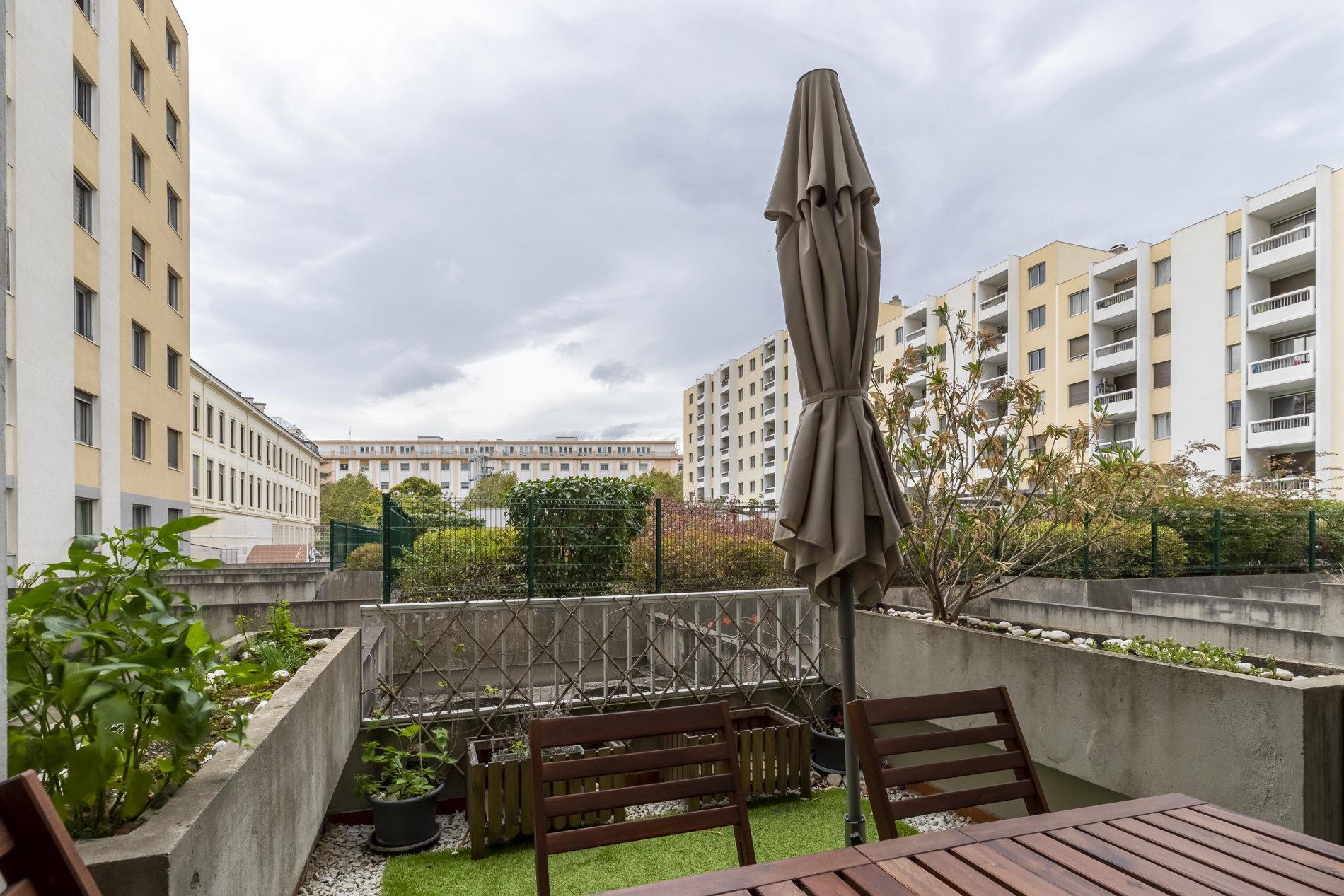 Appartement T3 avec terrasse, stationnement et cave