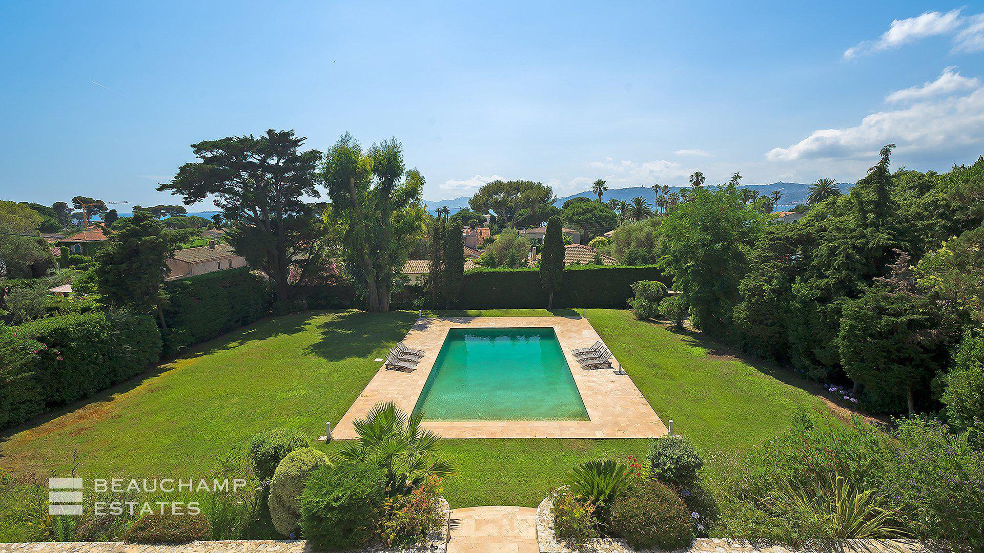 Beautiful 6 Bedroom Mansion Cap d'Antibes