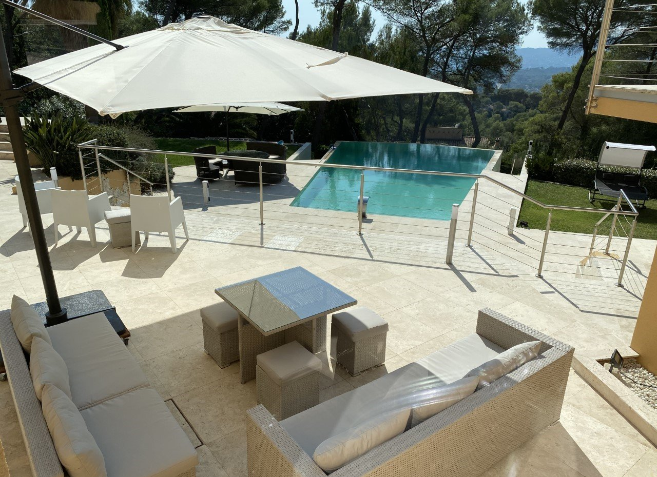 Architect's signature property Mougins