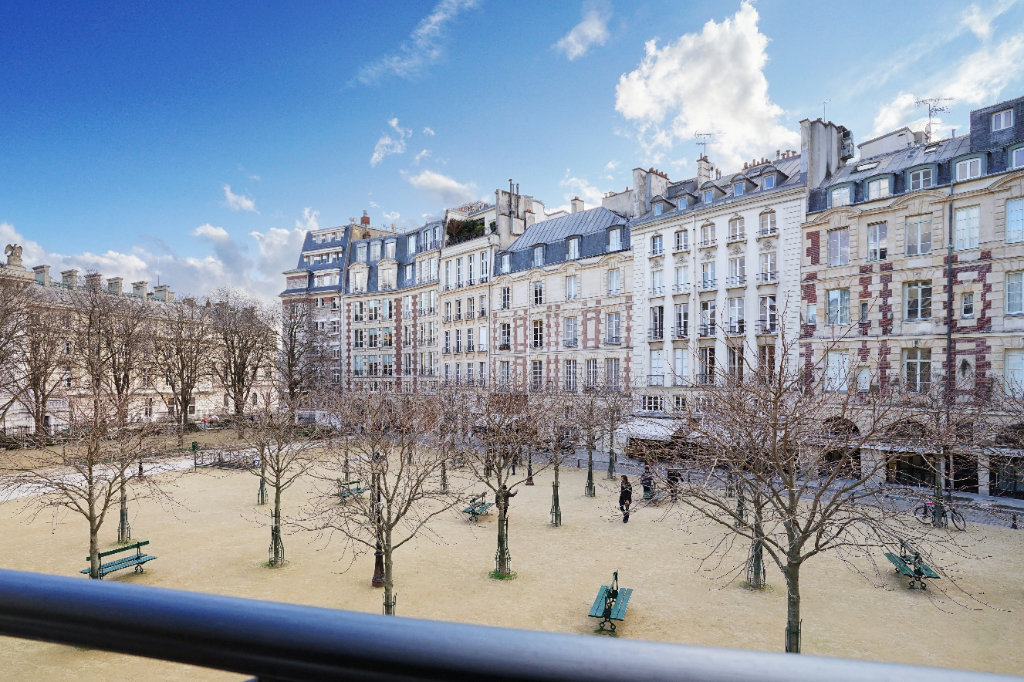 Sale Apartment - Paris 1st (Paris 1er) Saint-Germain-l'Auxerrois - France