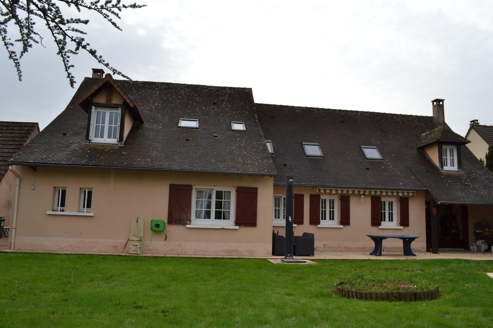 Maison avec piscine Saint Lambert des bois
