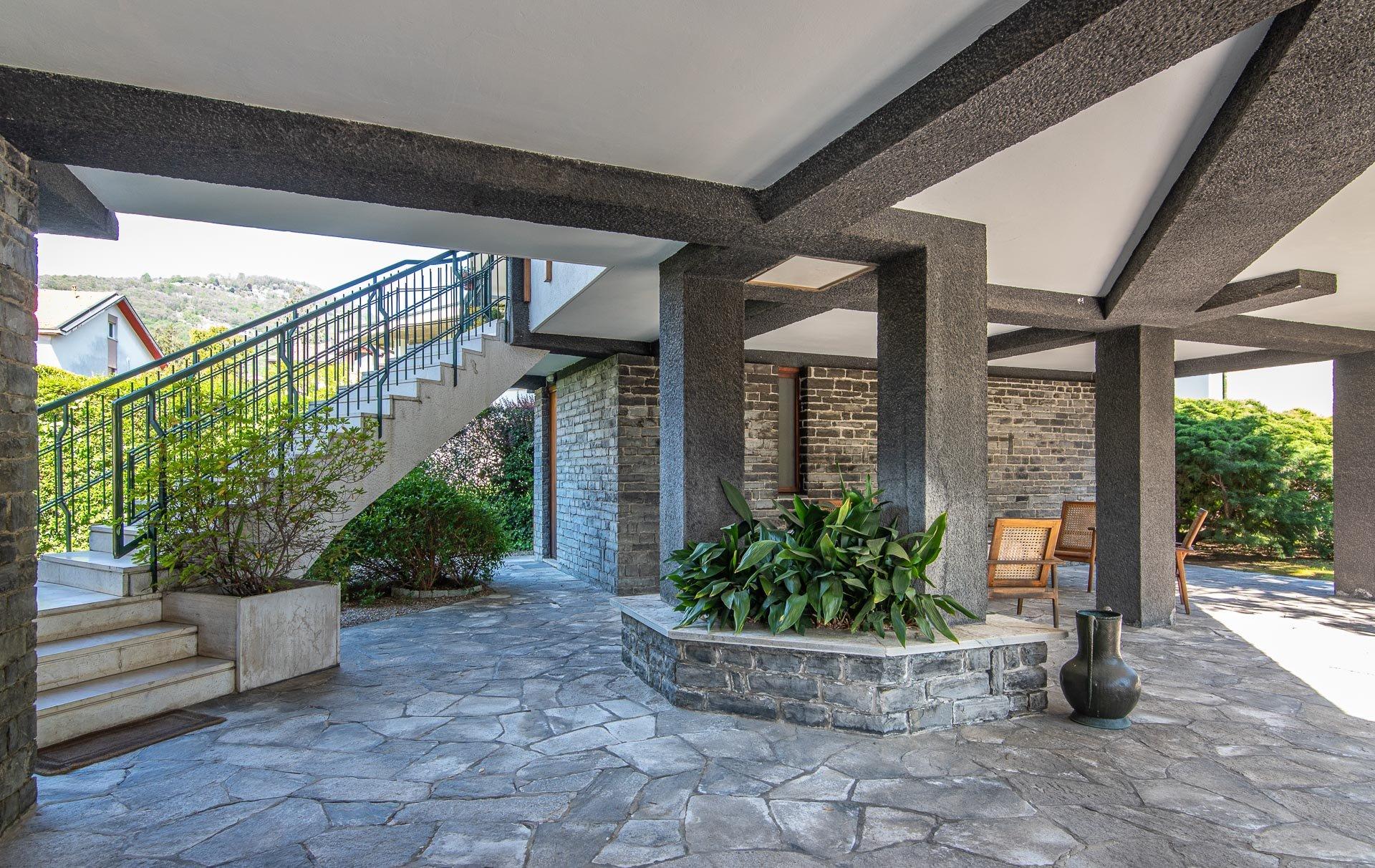 Lago Maggiore 1960s design villa for sale in Lesa