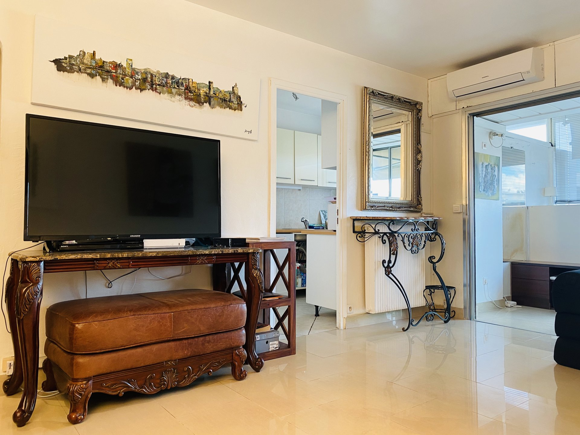 2 rooms near downtown Cannes