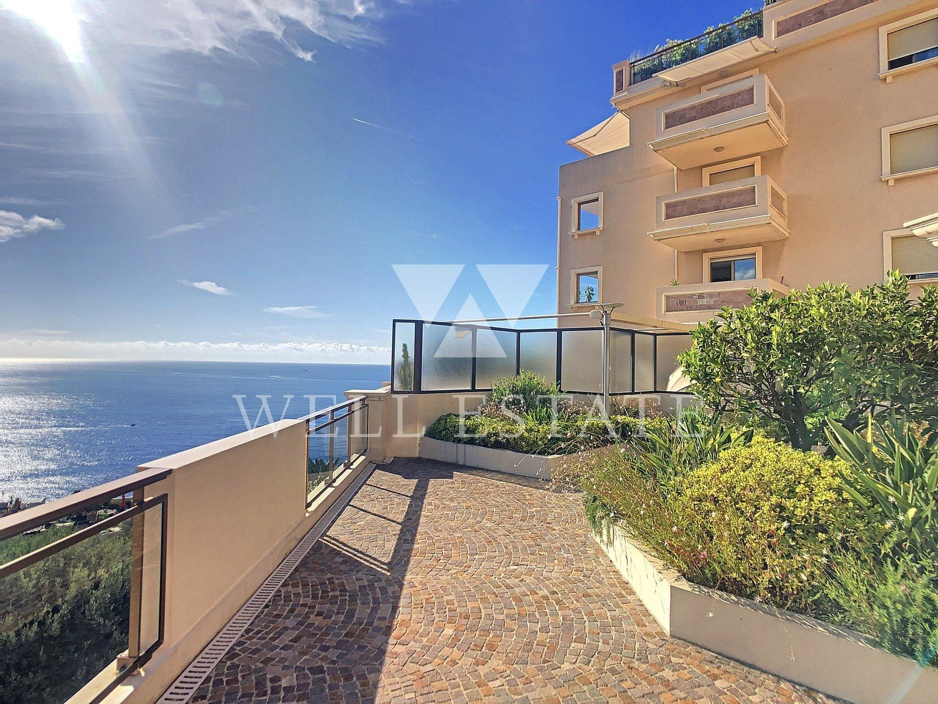 2 BEDROOM APPARTMENT WITH TERRACE AT 900 METERS FROM MONACO