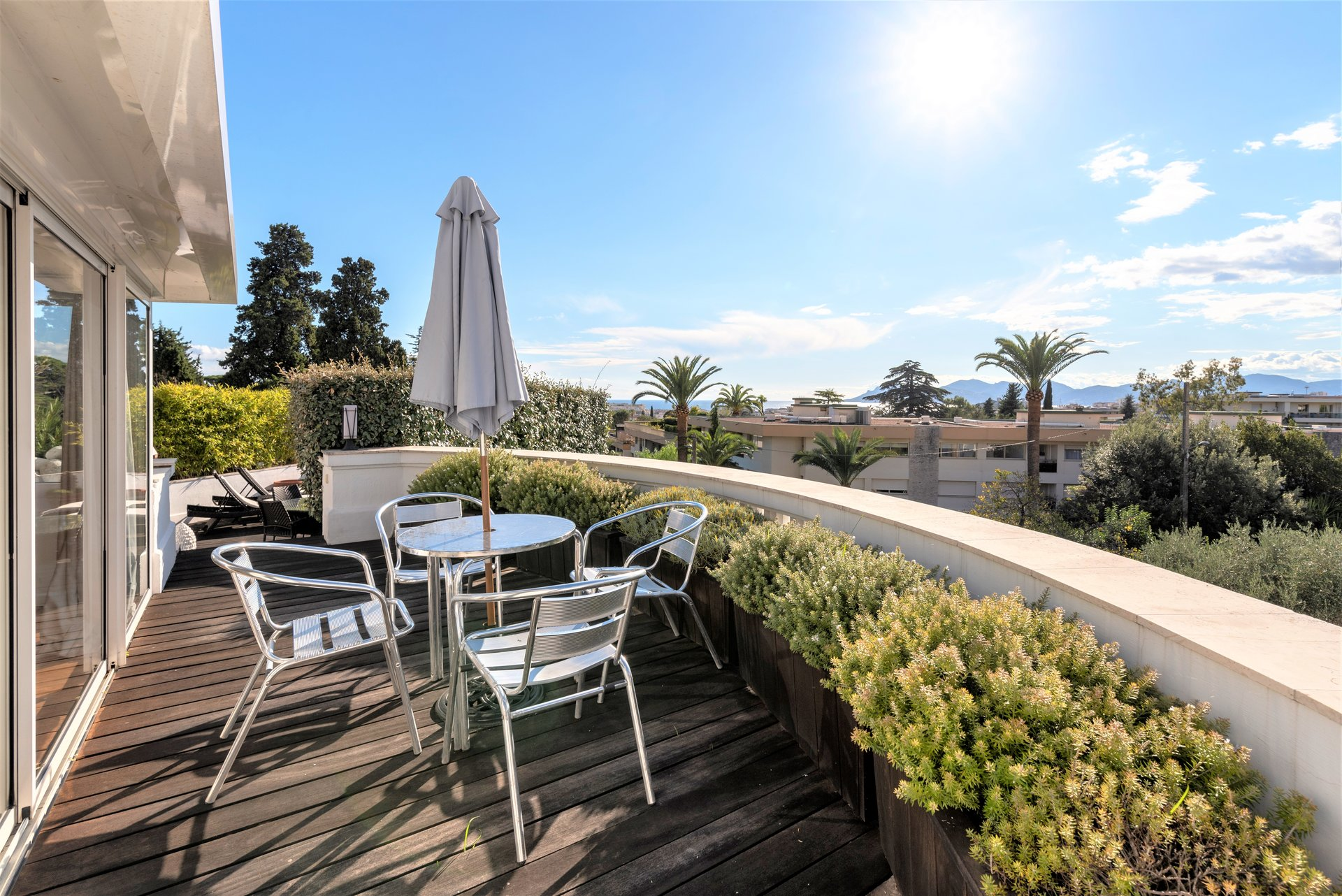 FOR SALE CANNES OXFORD EXEPTIONAL APARTMENT 148M2 THREE BEDROOMS THREE TERRACES
