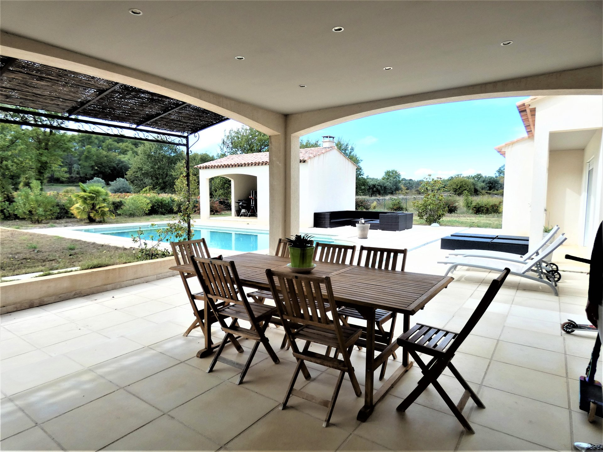 VILLA DRAGUIGNAN 193m2 on 4000 m2 OF LAND