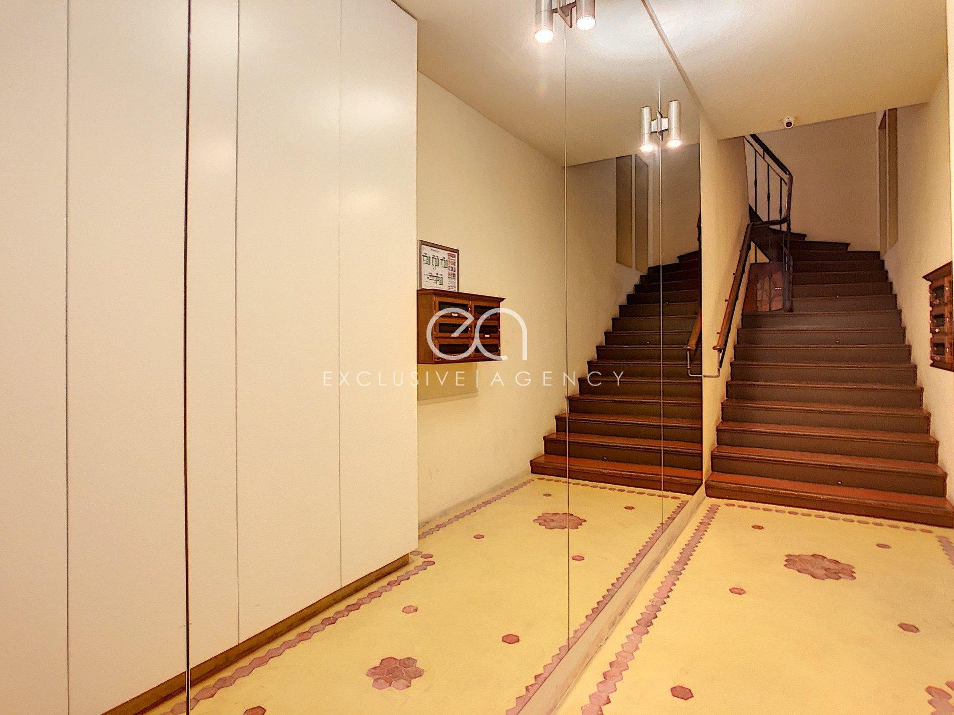 Modern studio furnished city center
