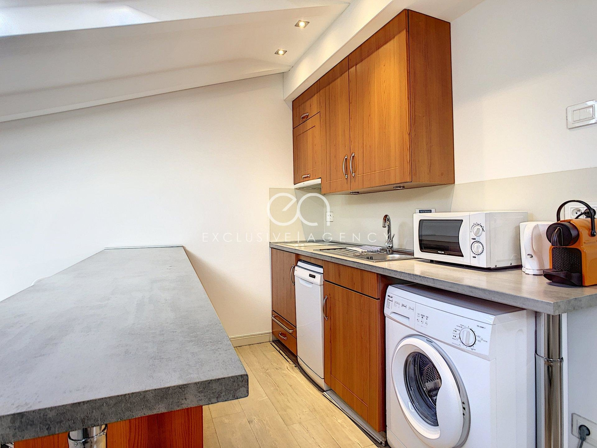 2 room apartment furnished top floor and city center
