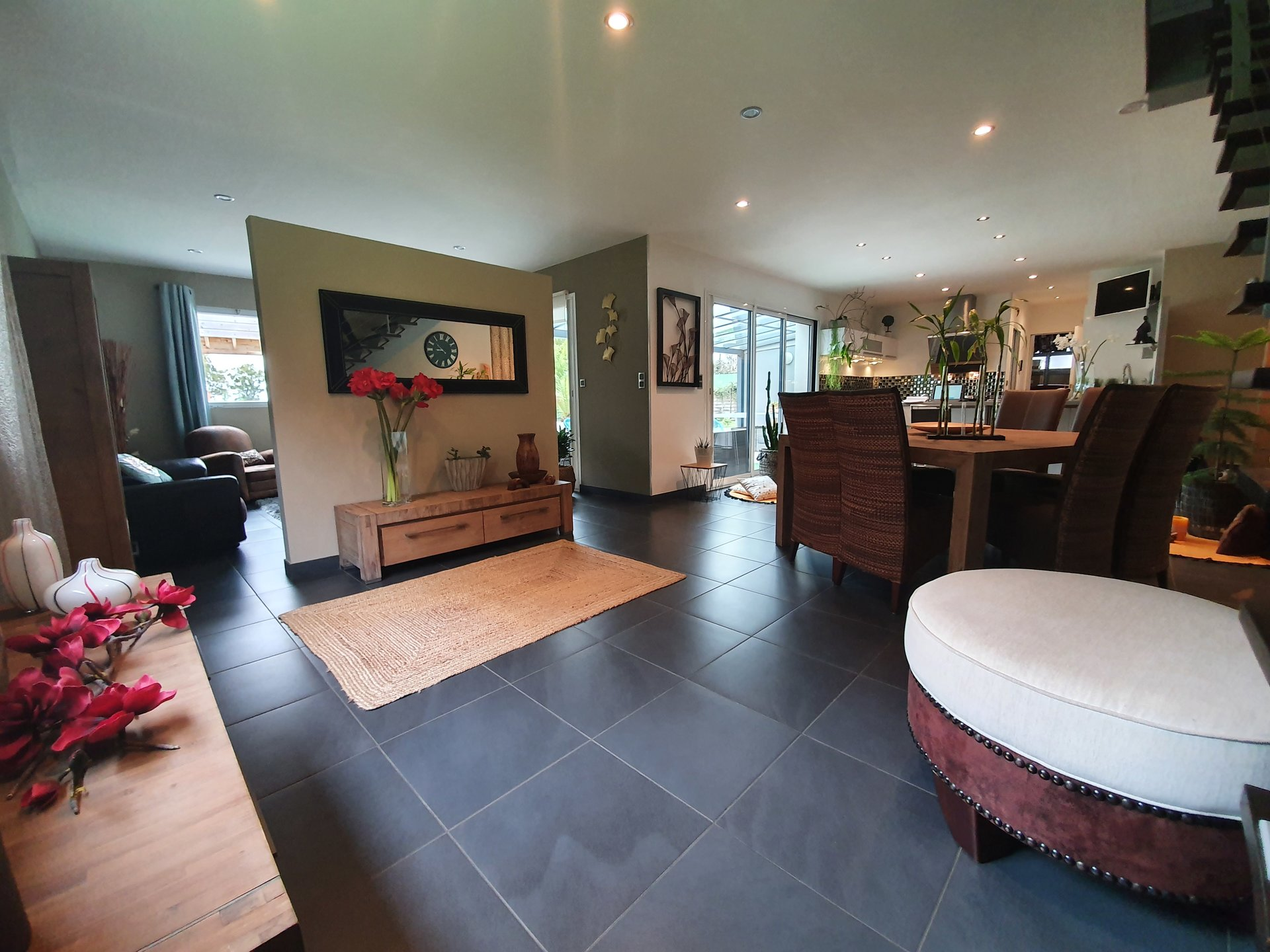 Maison T6 de 170 m² hab-terrain 6323 m²