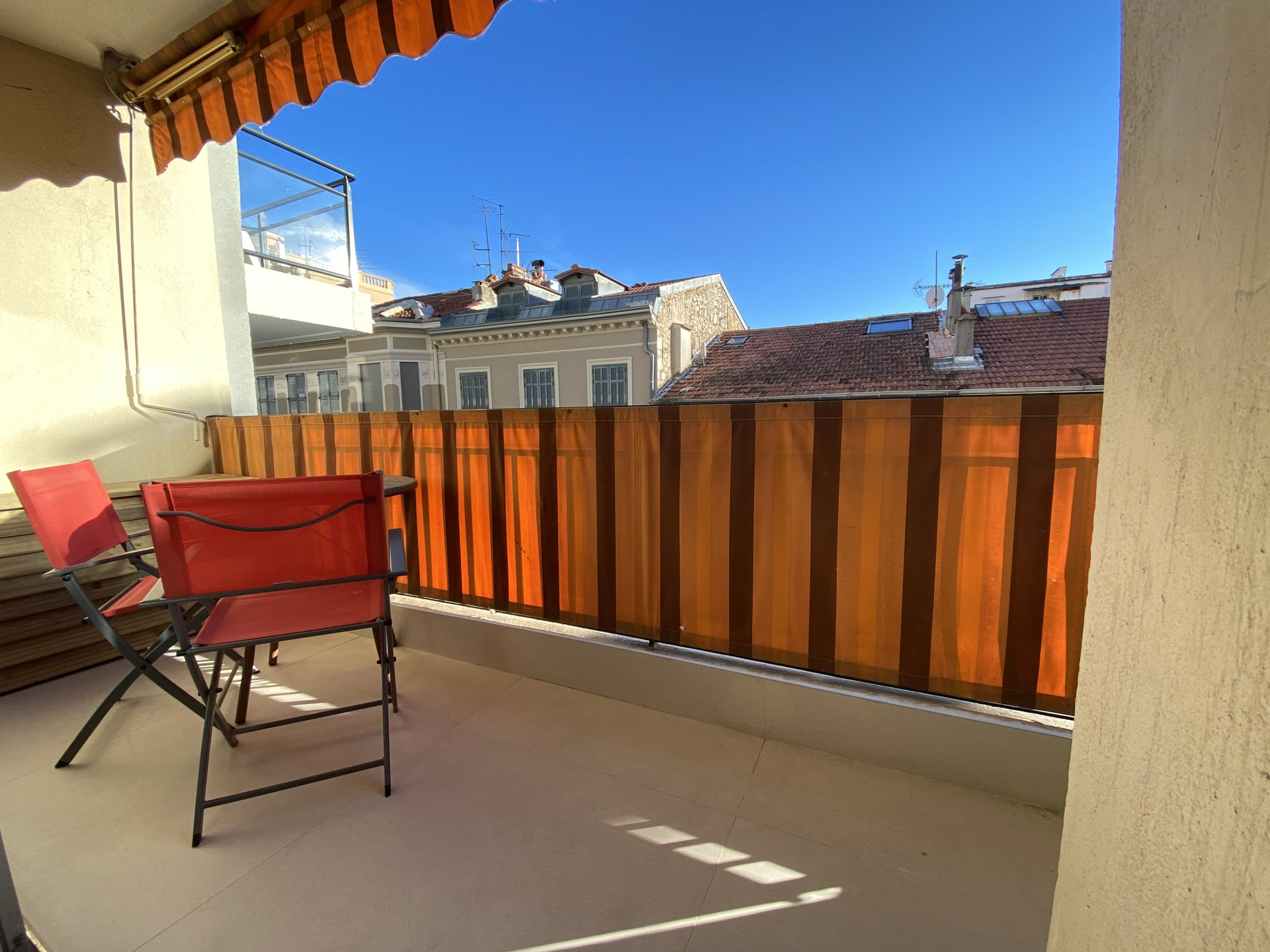 CANNES SALE STUDIO SHOPS ON FOOT IDEAL INVESTMENT