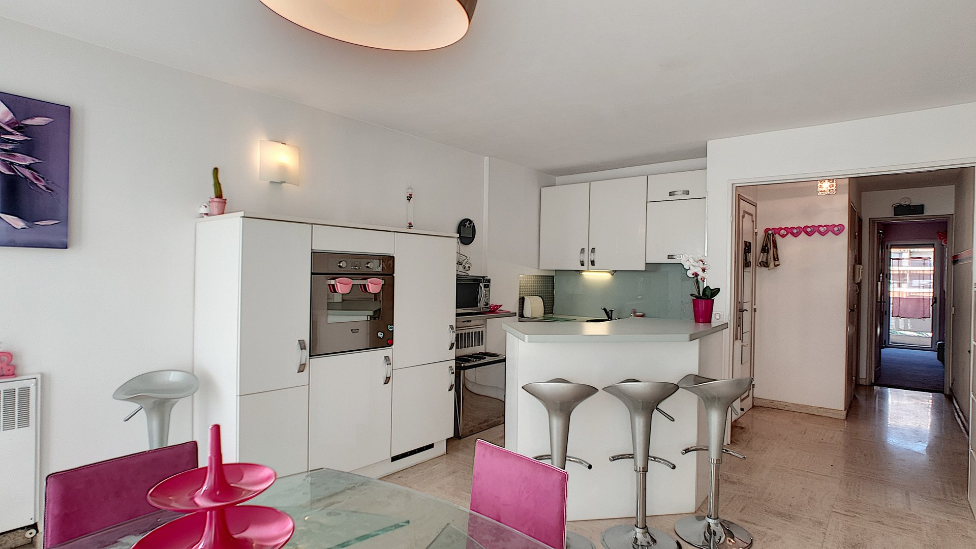 Spacious apartment for sale in Cannes Basse Californie