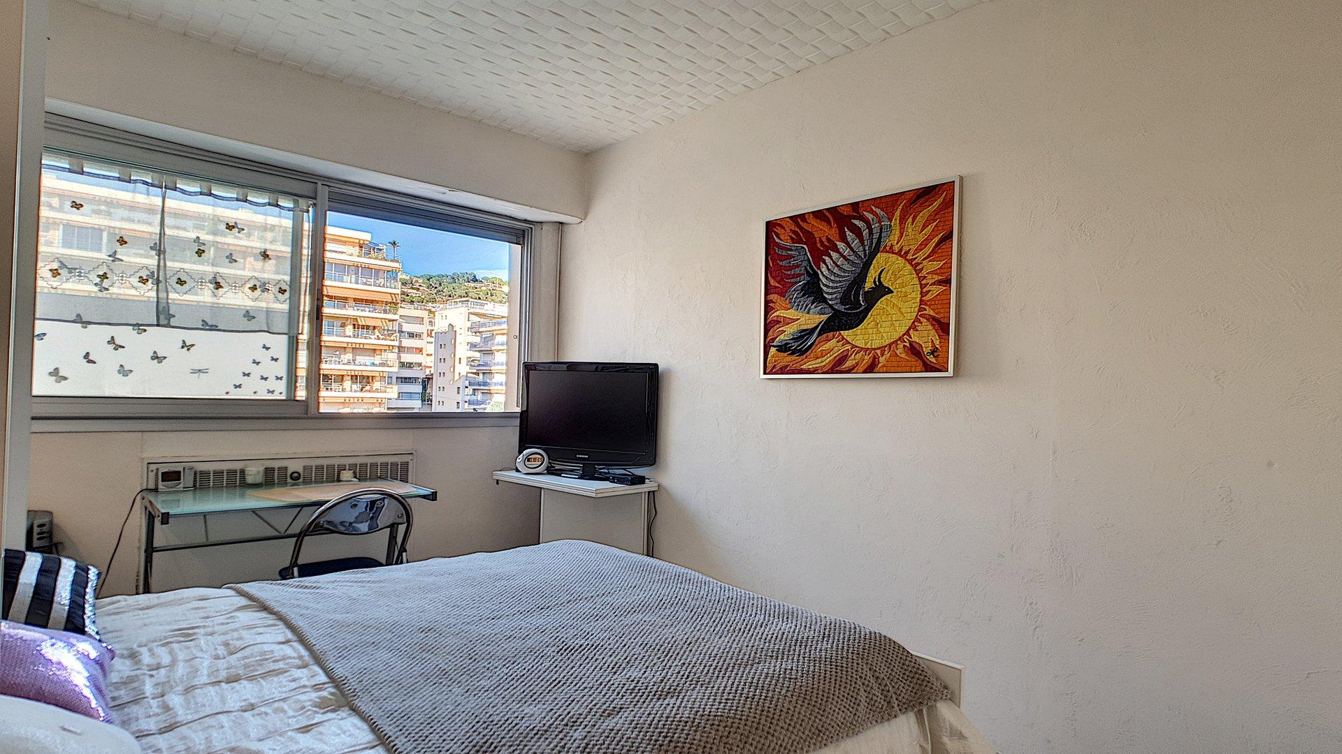 Ljus och rymlig lägenhet till salu i Cannes Basse Californie