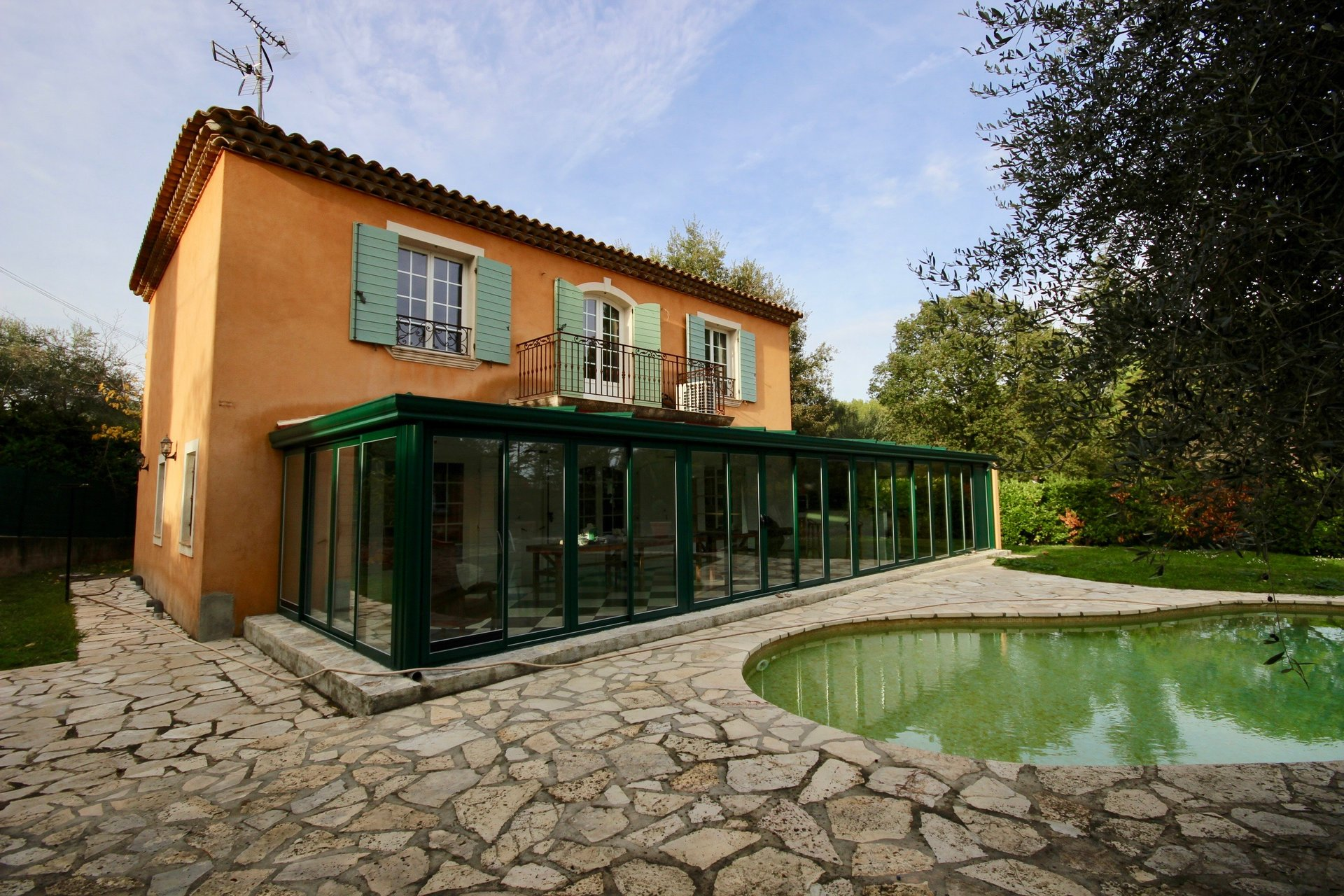 Charming property in Valbonne