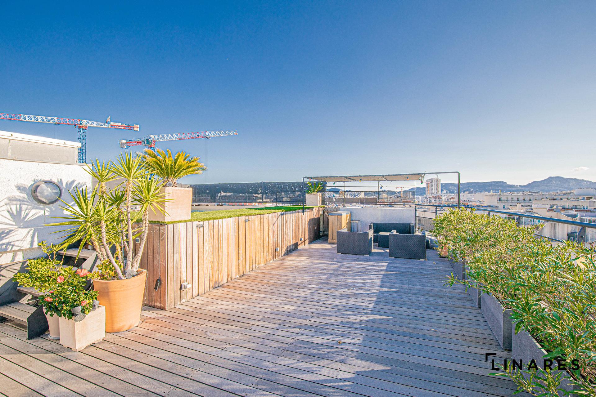LE PANORAMIQUE - Duplex en Toit Terrasse T4/5 de 150m2 + Terrasses 135m2 + Piscine