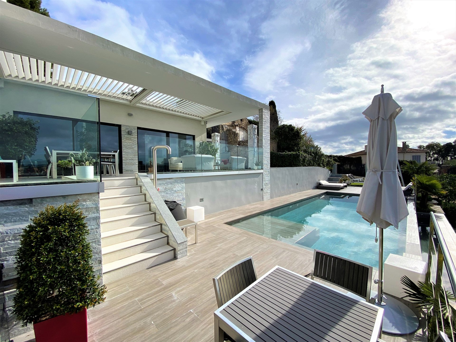 MOUGINS SALE CONTEMPORARY CITY 5 ROOMS SEA VIEW