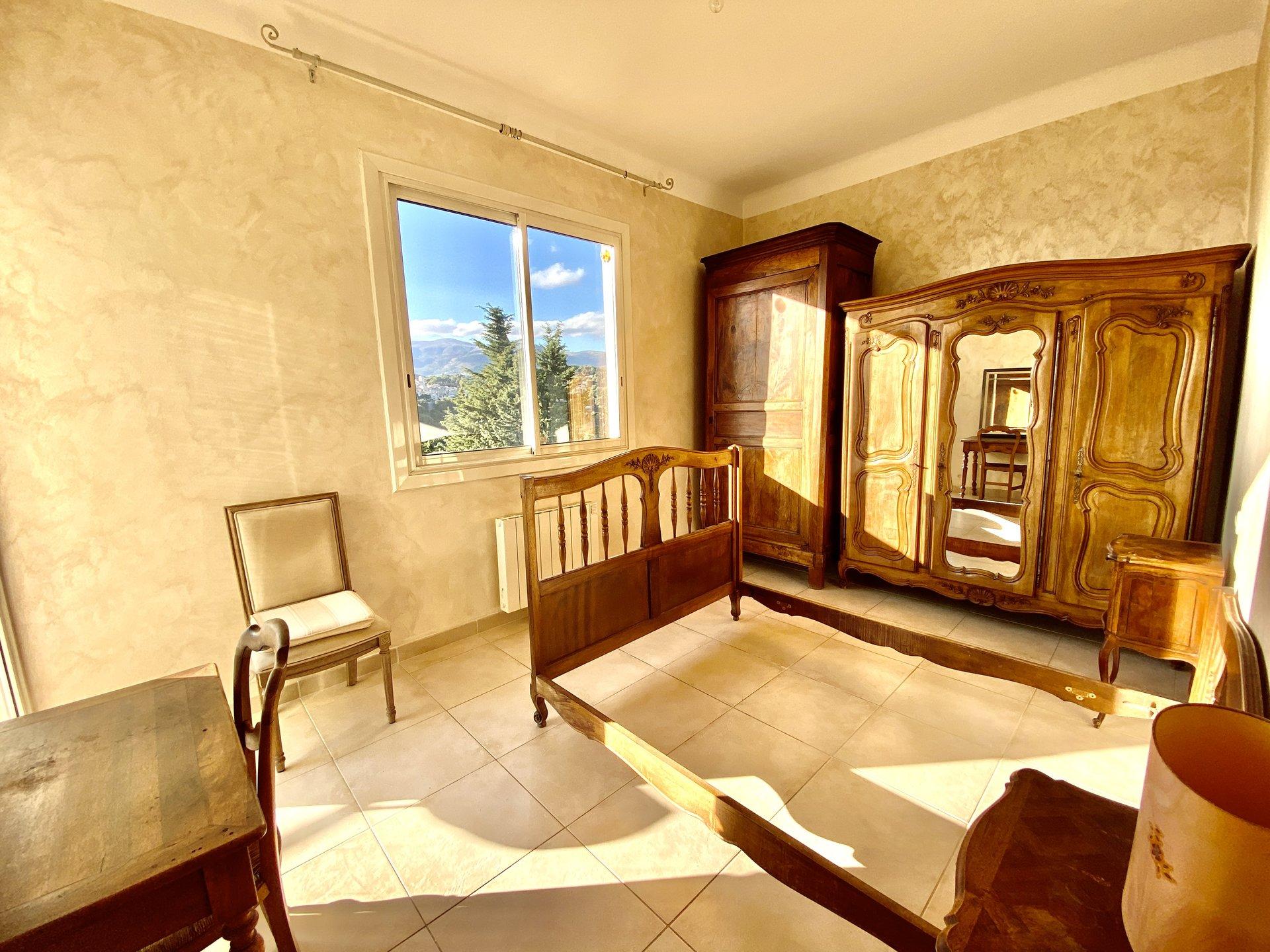 Detached villa, Saint paul de vence, dominant, bright, big potential