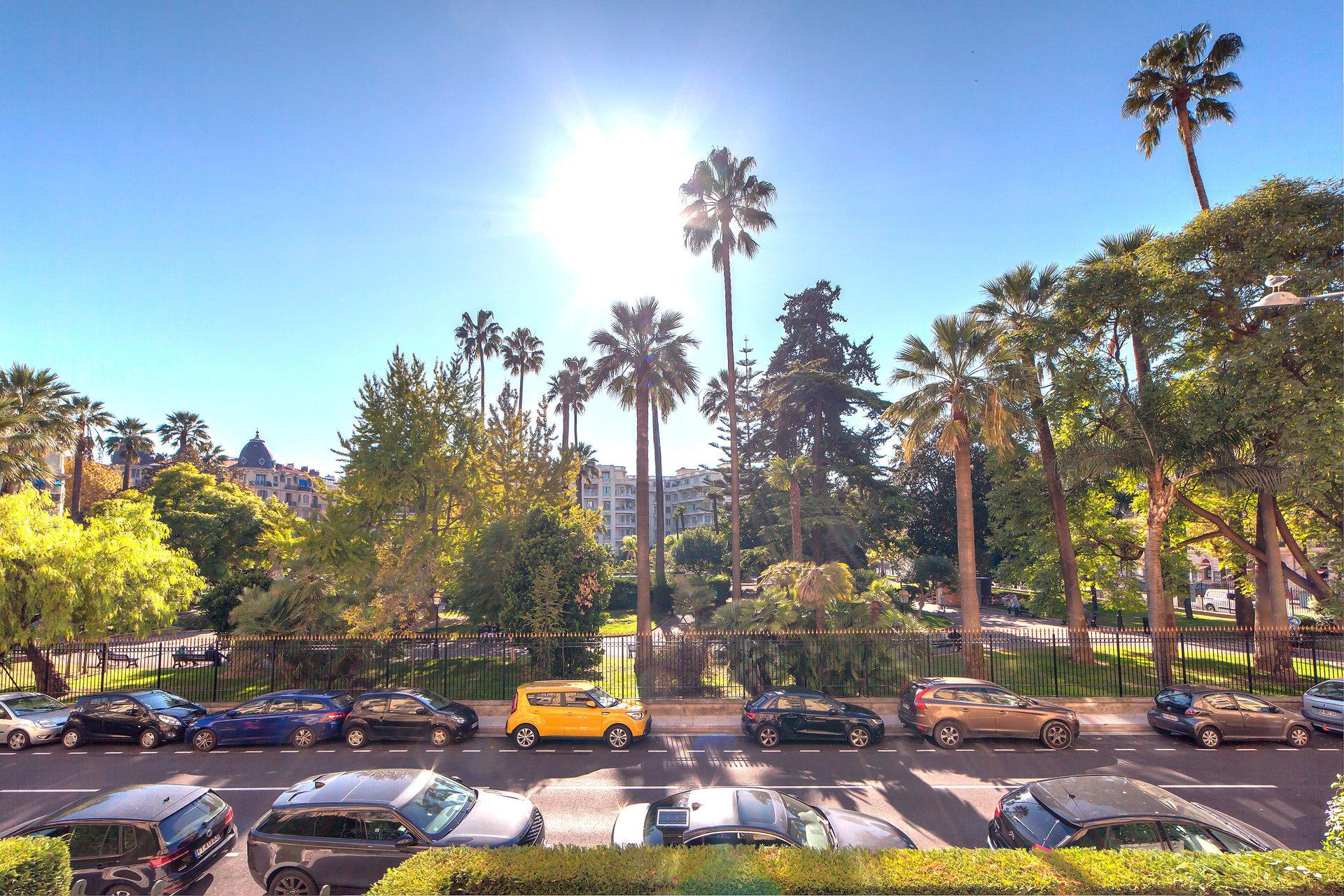 Magnifique appartement bourgeois face au parc