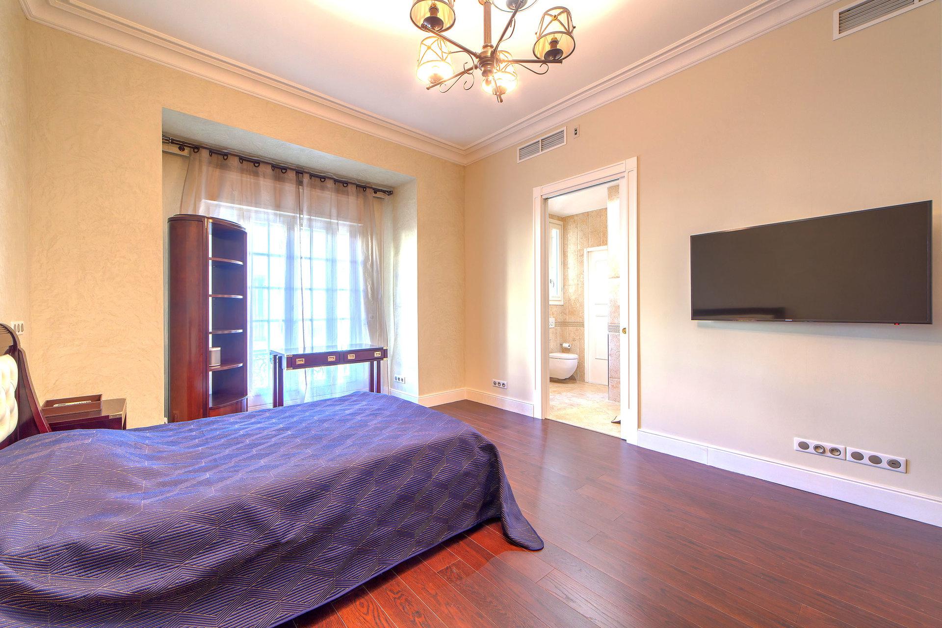 chambre 2 avec sa salle de douche en suite