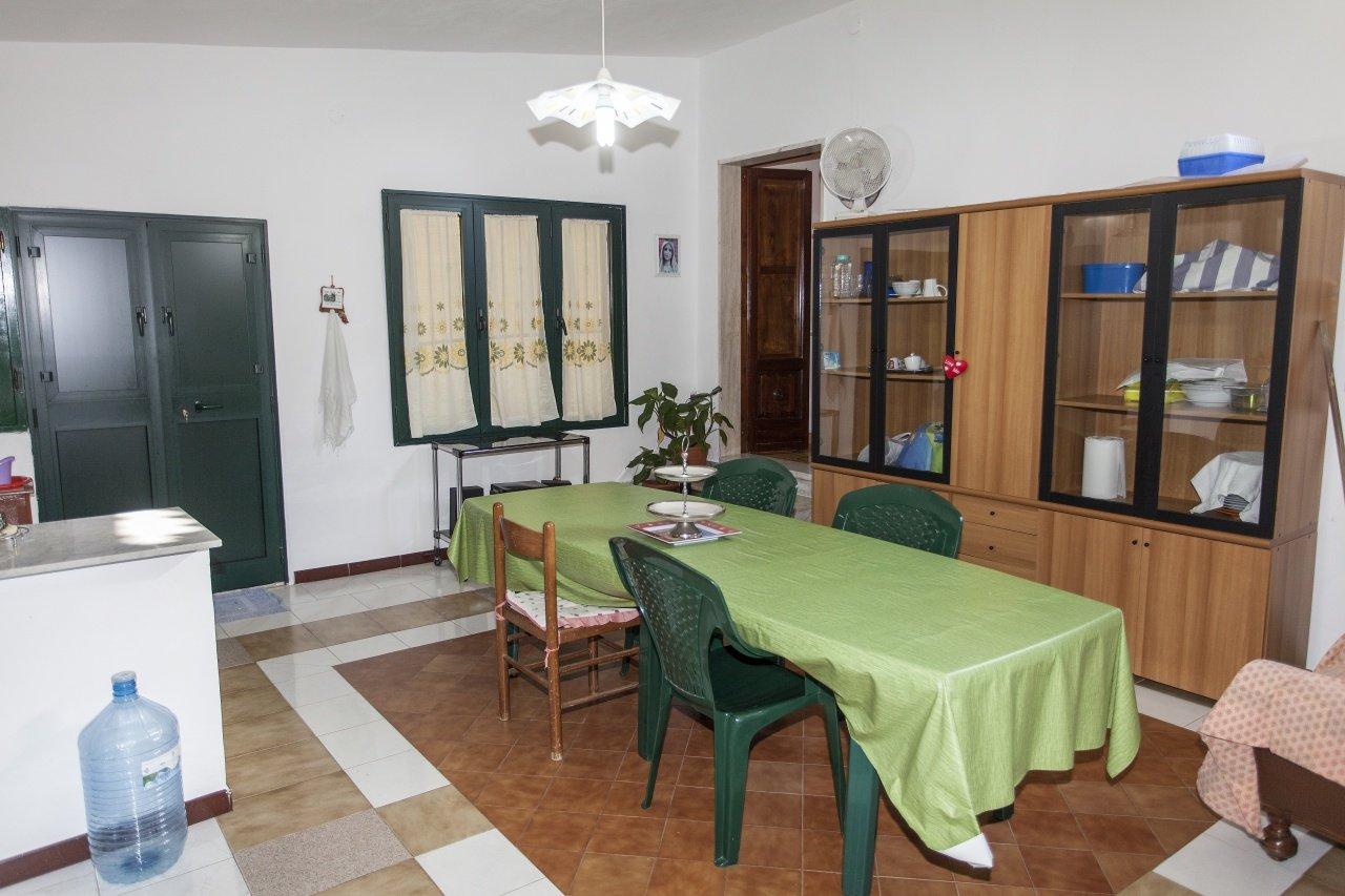Villetta in Francavilla Fontana 2 camere, bagno e giardino