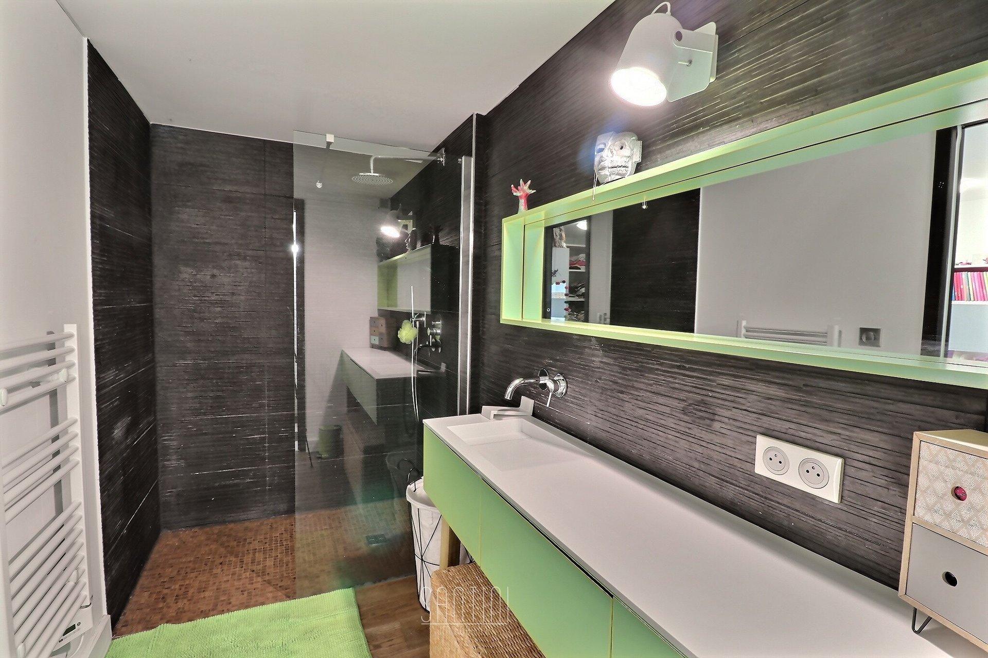 Appartement type loft 4 pièces - Ajaccio