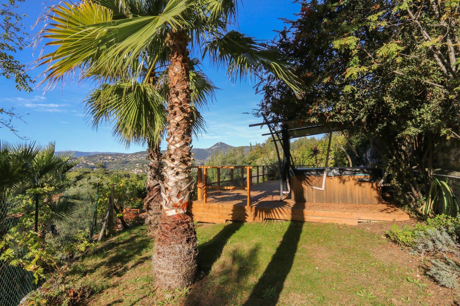 Fastighet med havsutsikt och pool - Nice Vinaigirier